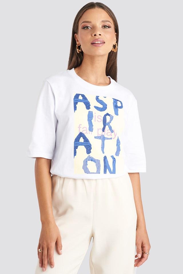 Aspiration T-shirt Emilie Briting x NA-KD