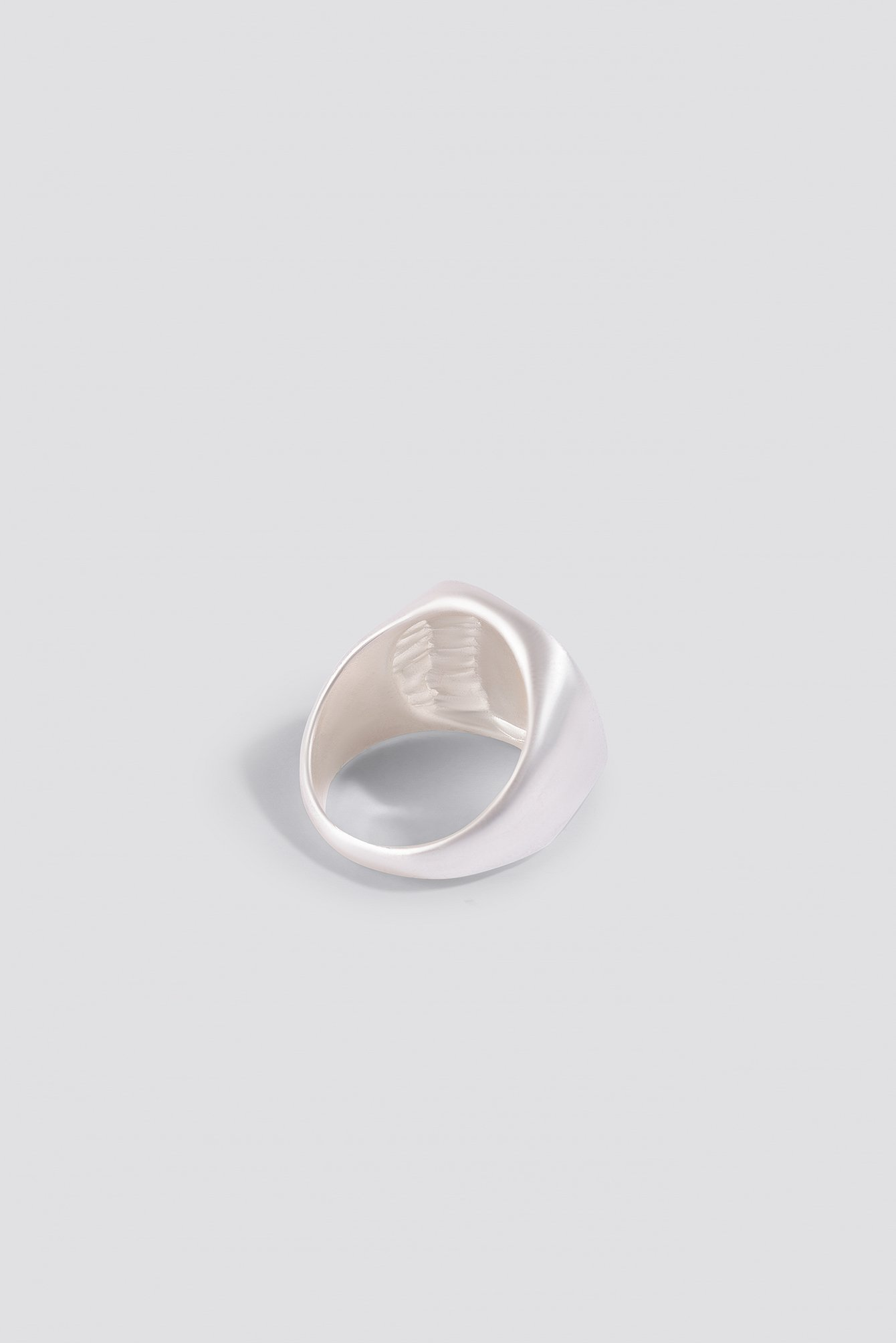 Hammered Signet Ring NA-KD.COM