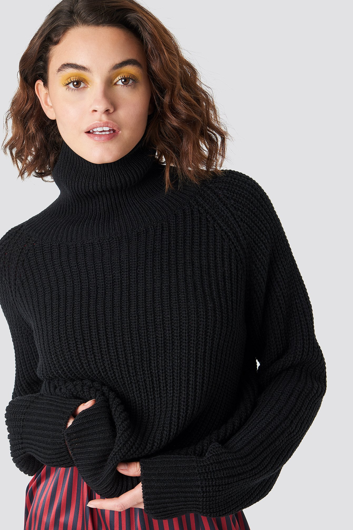 emilie briting x na-kd -  Structured High Neck Polo Knit - Black