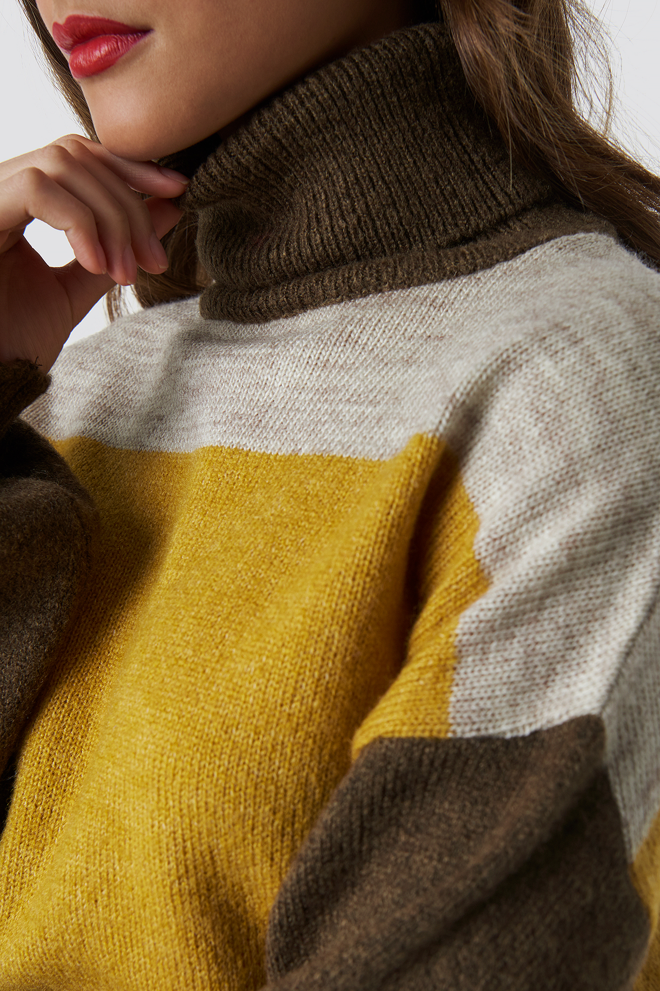 Color Blocked High Neck Knitted Sweater NA-KD.COM
