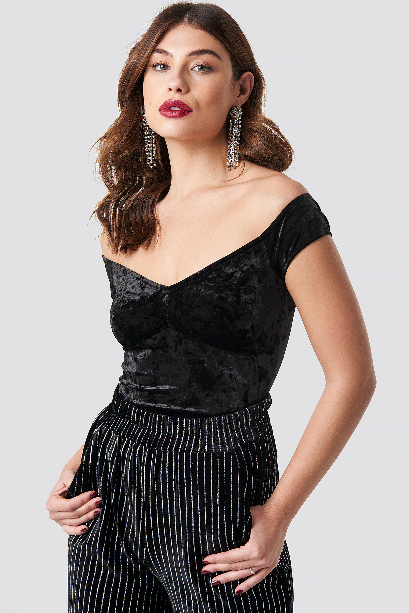 na-kd party -  Crushed Velvet Off Shoulder Top - Black