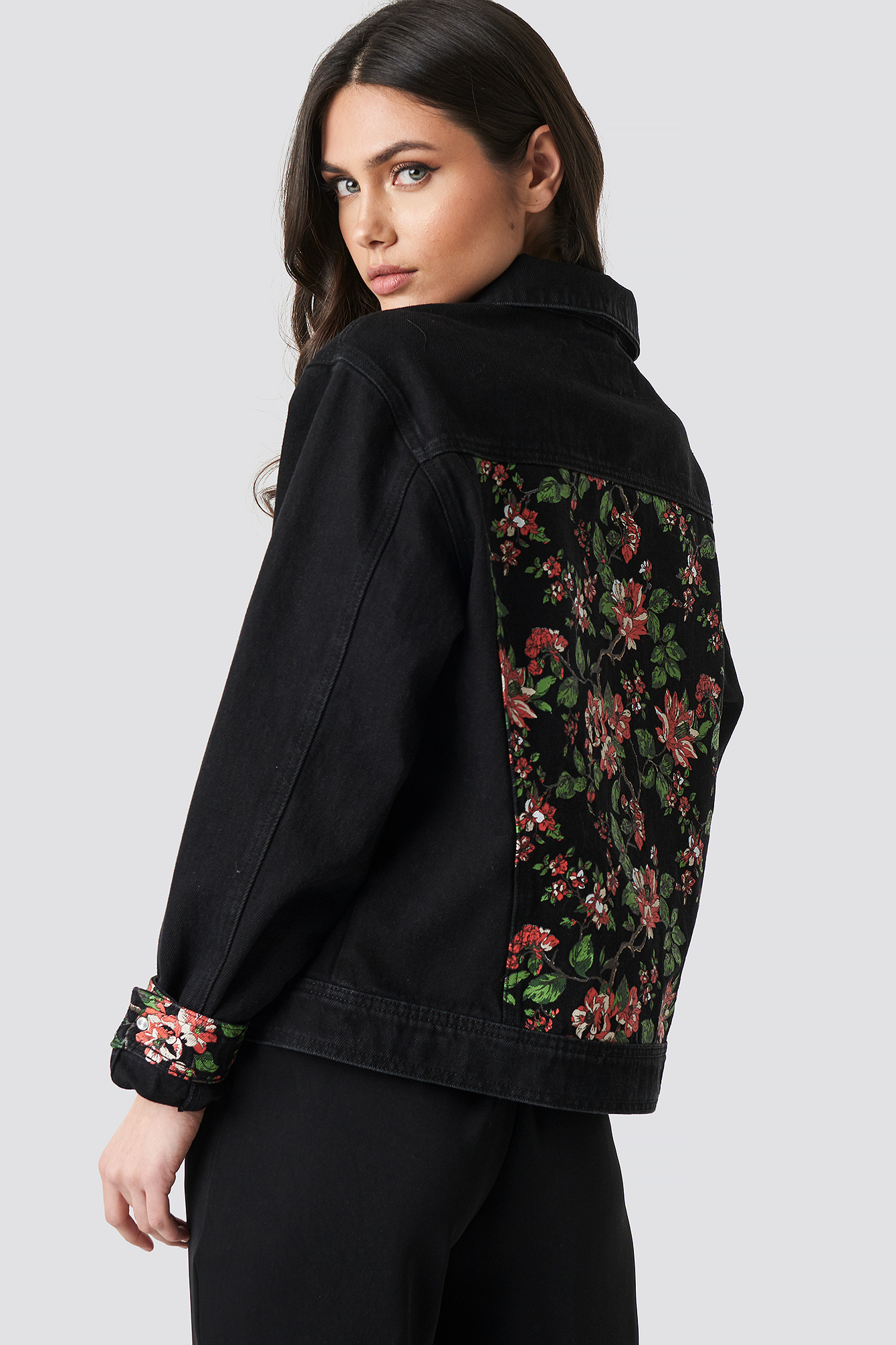 Dark Floral Denim Jacket NA-KD.COM