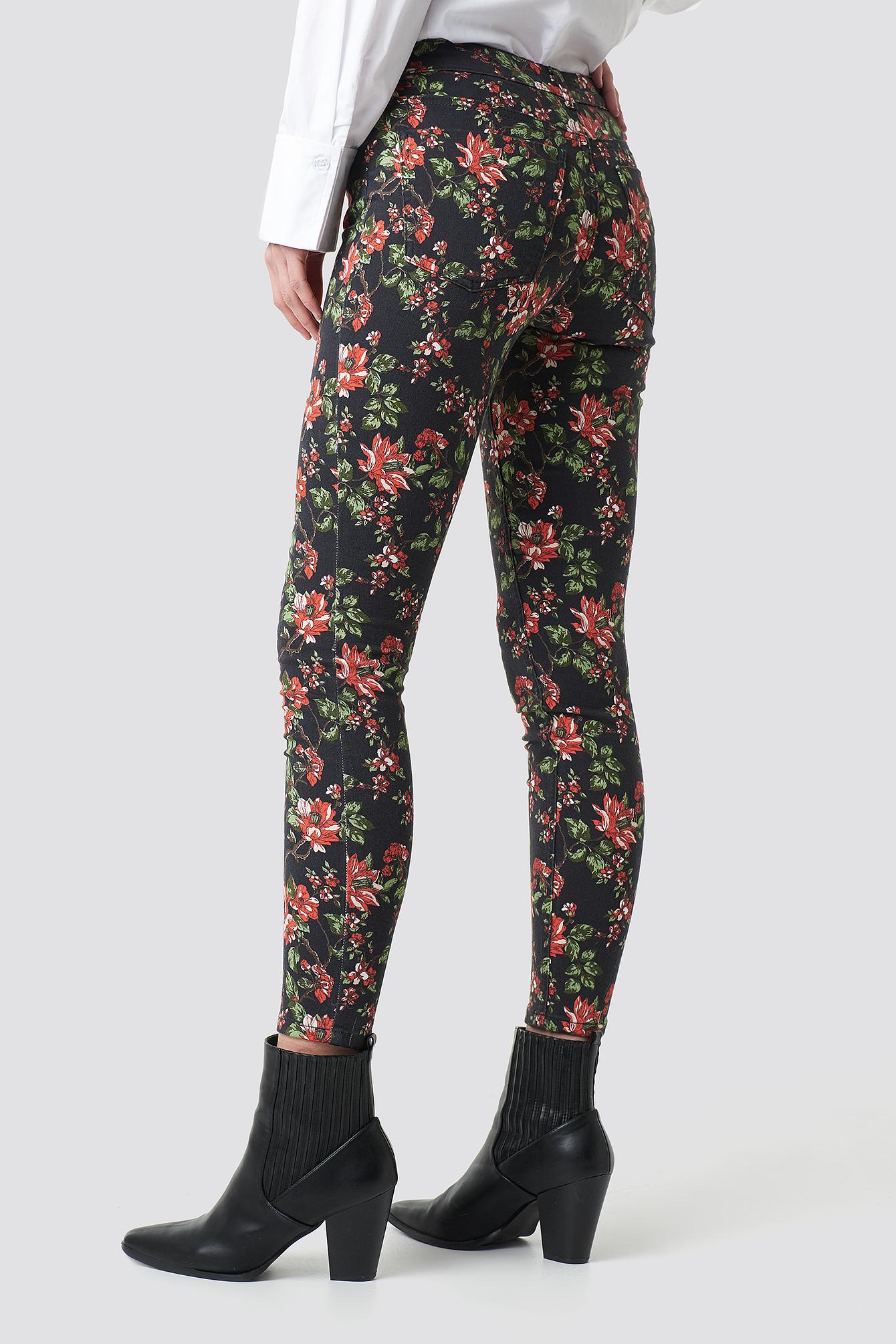 Dark Floral Jeans NA-KD.COM