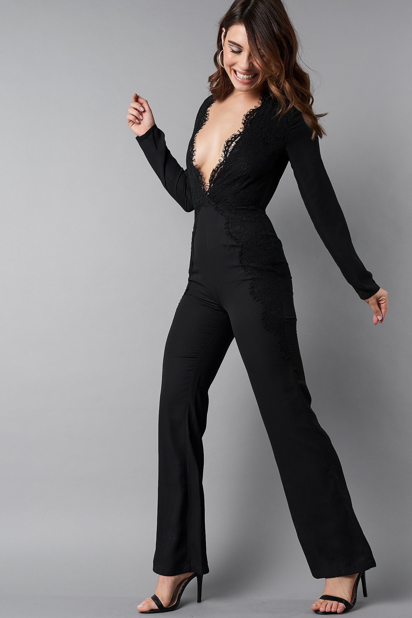 Deep V-Neck Lace Detail Jumpsuit NA-KD.COM