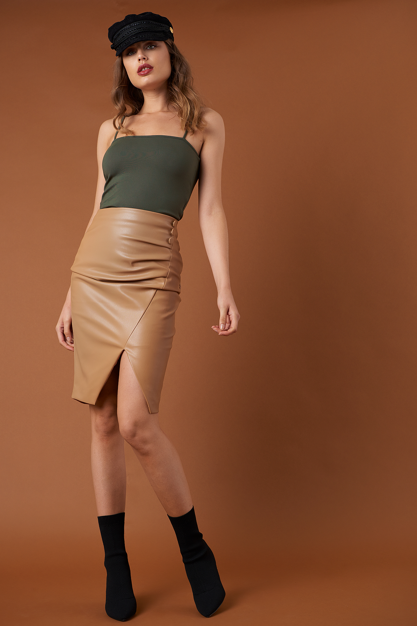 na-kd trend -  Draped PU Skirt - Brown