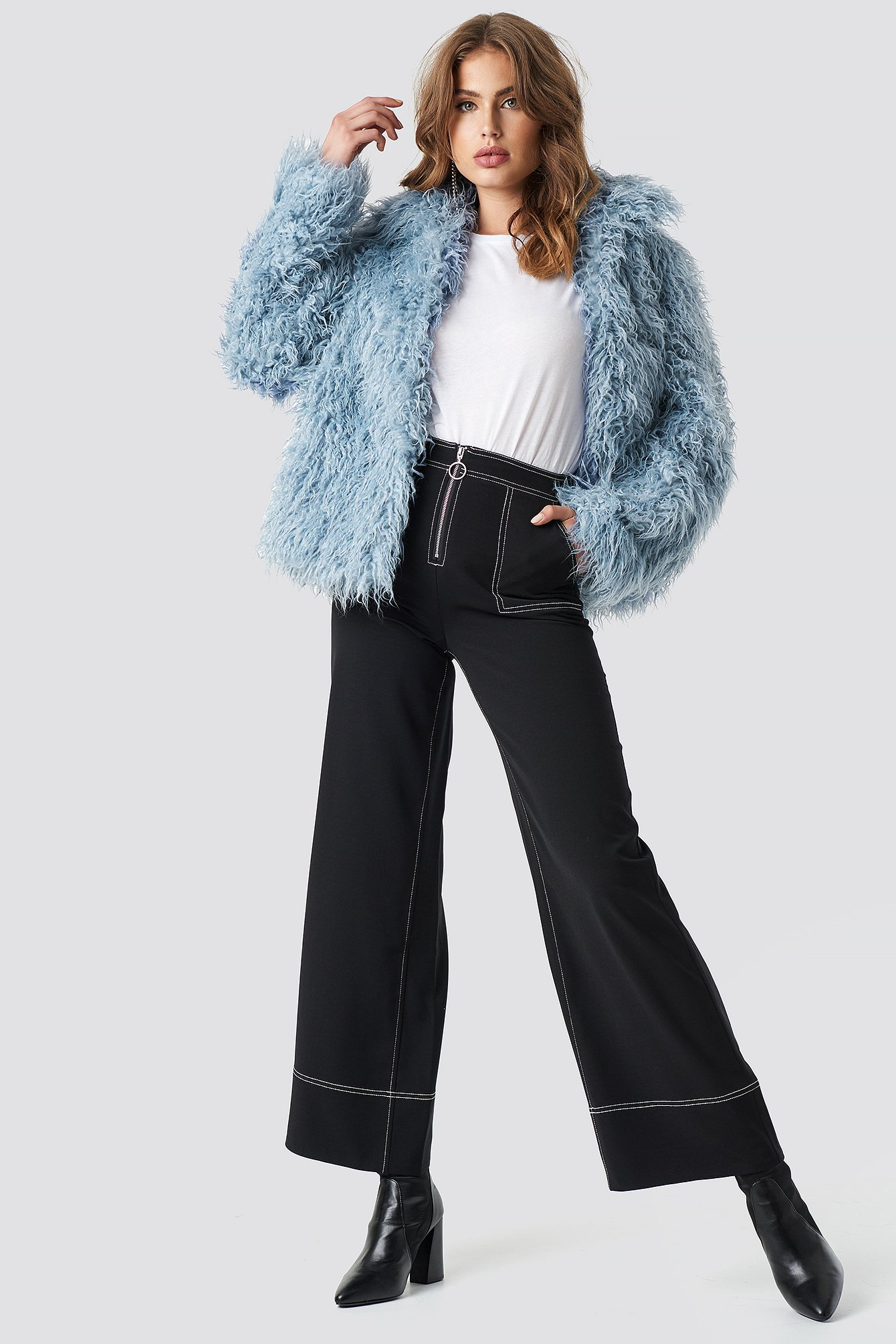 na-kd -  Faux Fur Short Jacket - Blue