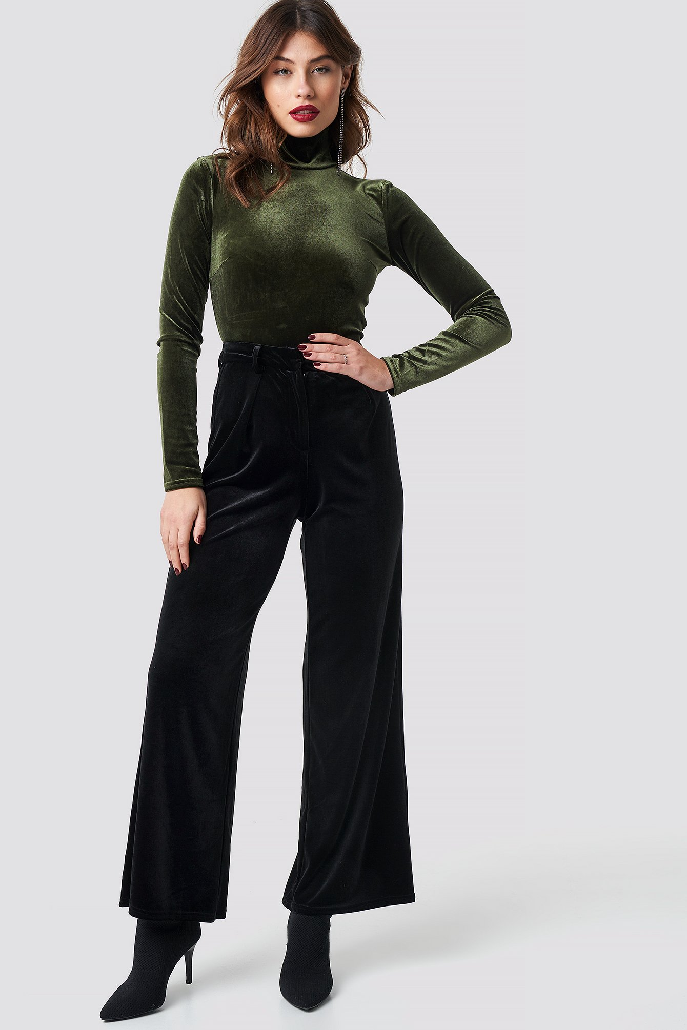 na-kd party -  Flared Velvet Pants - Black