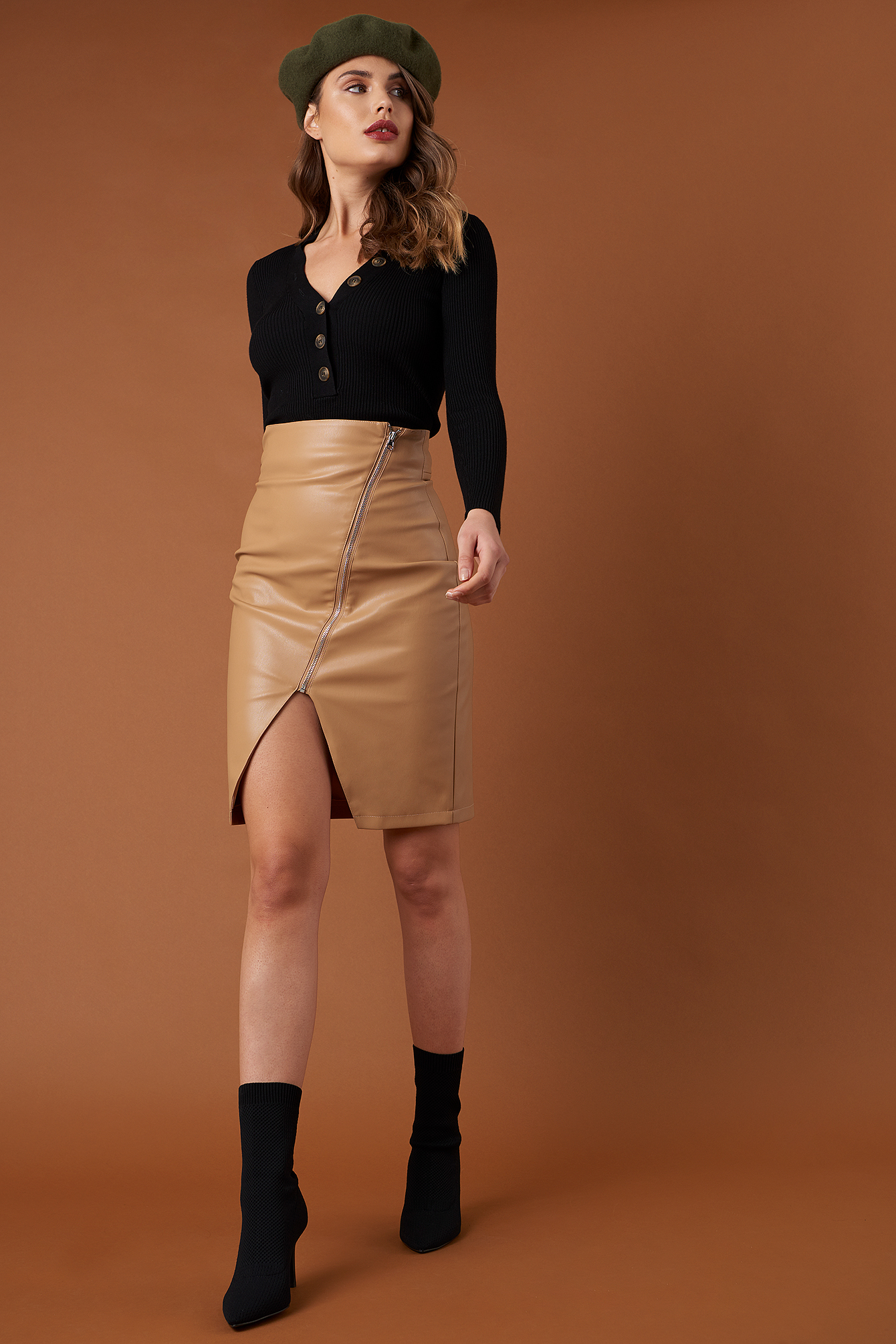 na-kd trend -  Front Zipper PU Skirt - Brown