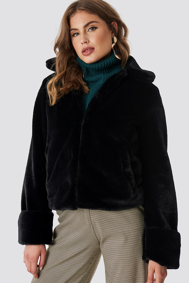 Short Faux Fur Jacket Black
