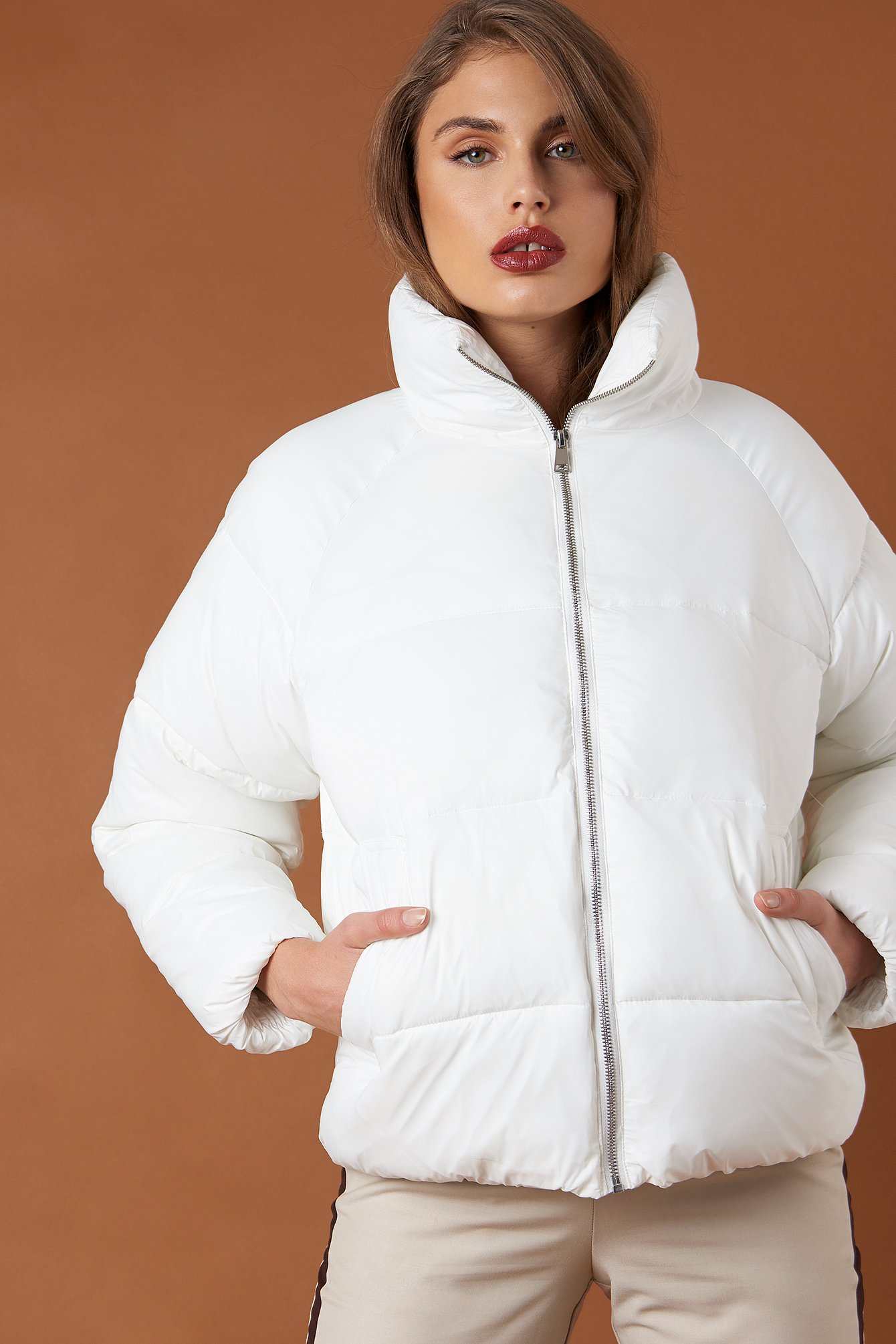 na-kd trend -  Short Puffer Jacket - White
