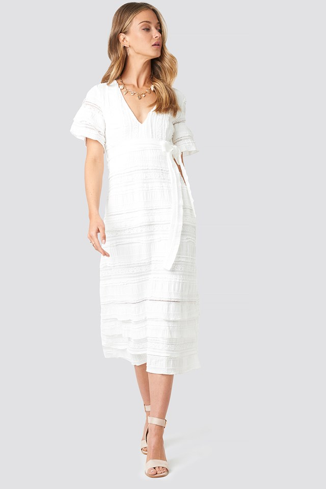 Short Sleeve V-Neck Lace Dress White