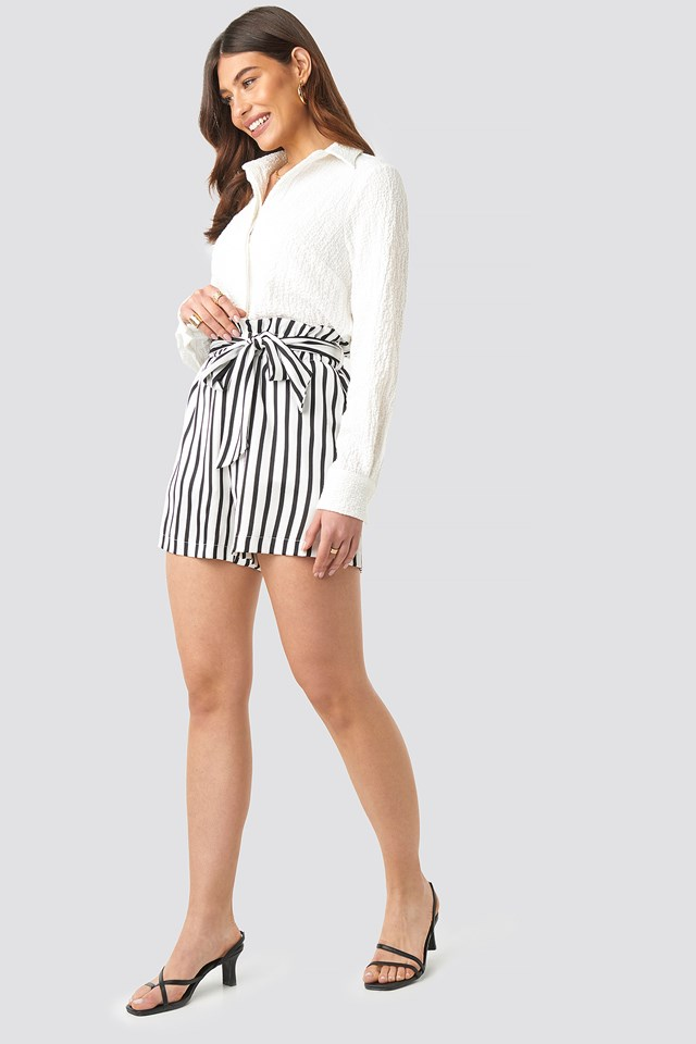 Striped Paperwaist Shorts Black/White Stripe