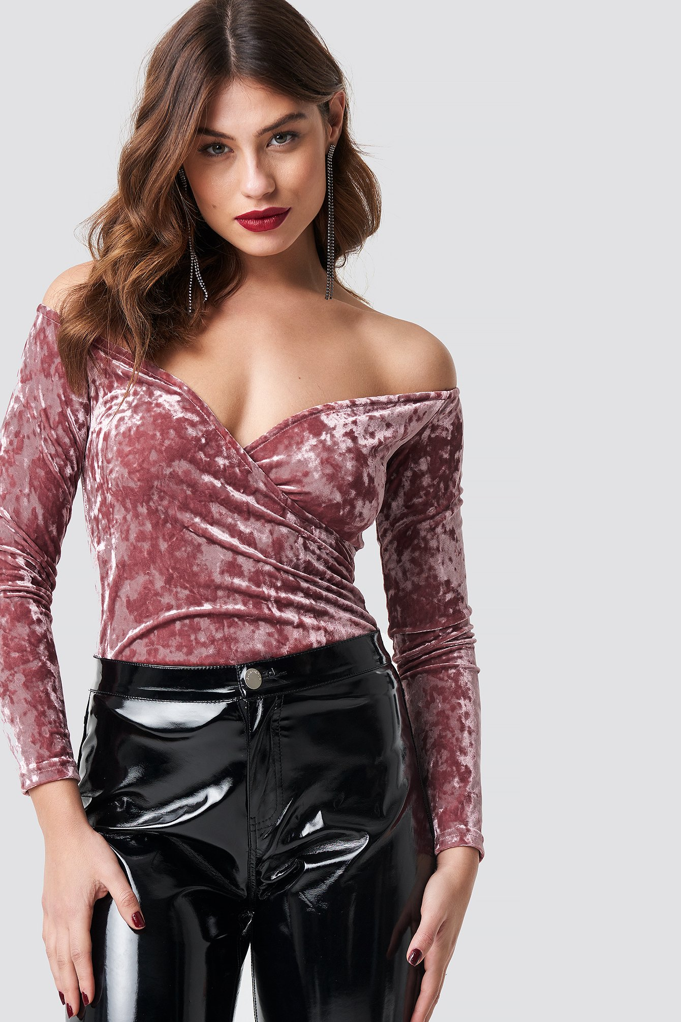 na-kd party -  Velvet Off Shoulder Top - Pink