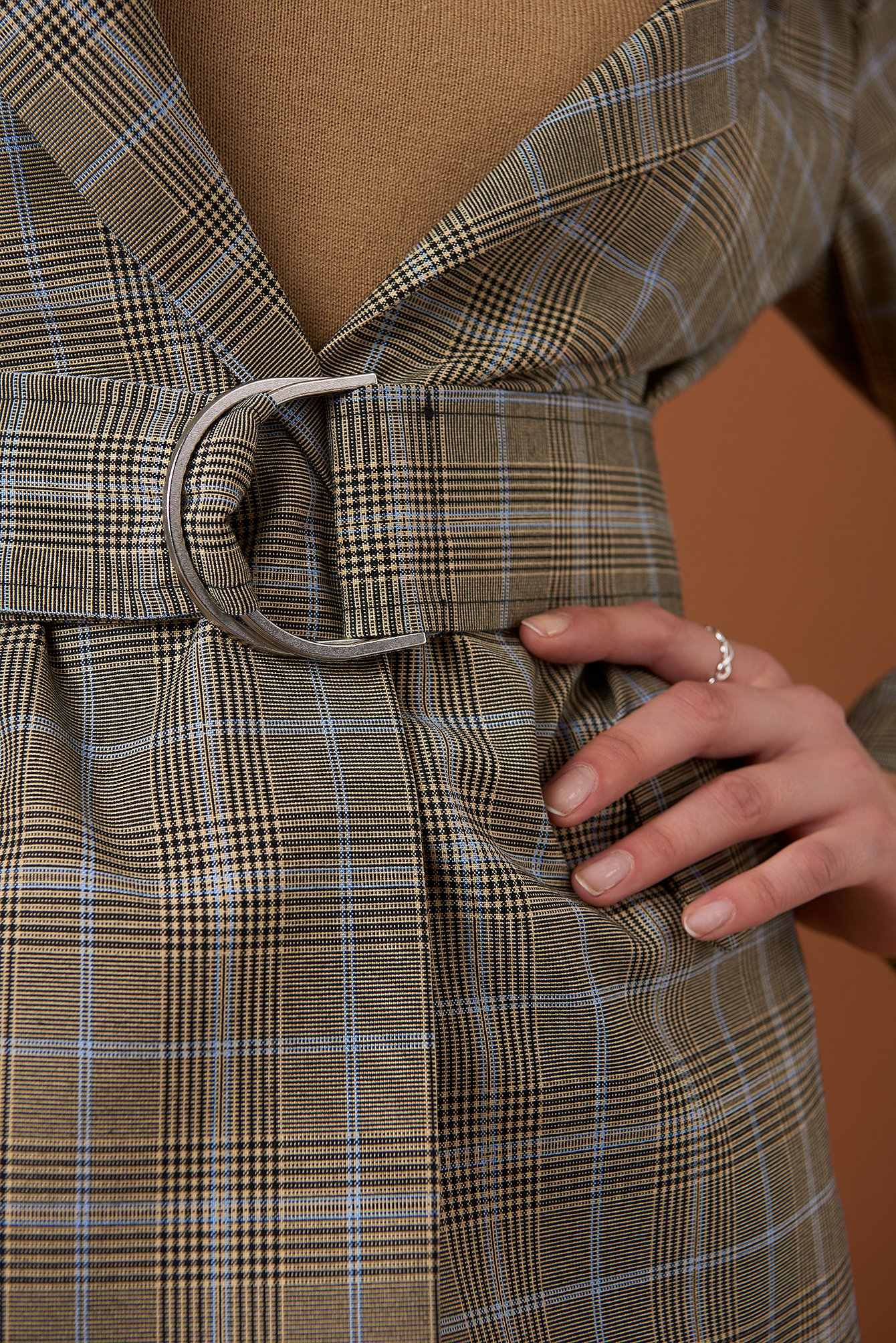 Wide Neck Belted Blazer NA-KD.COM