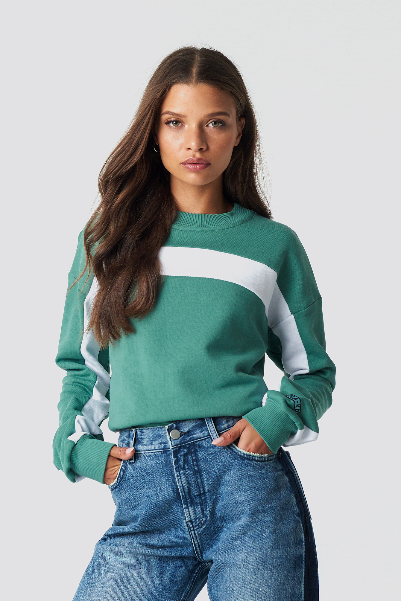 na-kd -  Blocked Sleeve Sweatshirt - Green