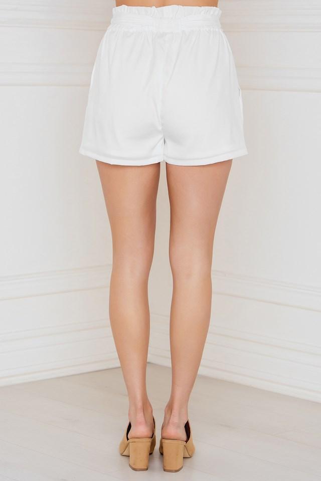 Natalia Bow Shorts White