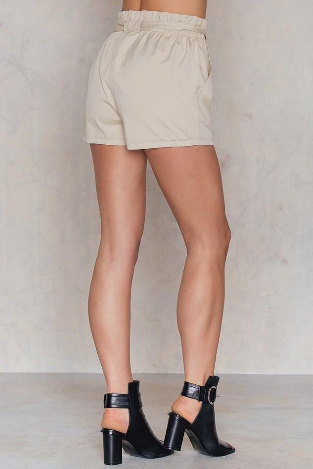 Natalia Bow Shorts Neutral Beige