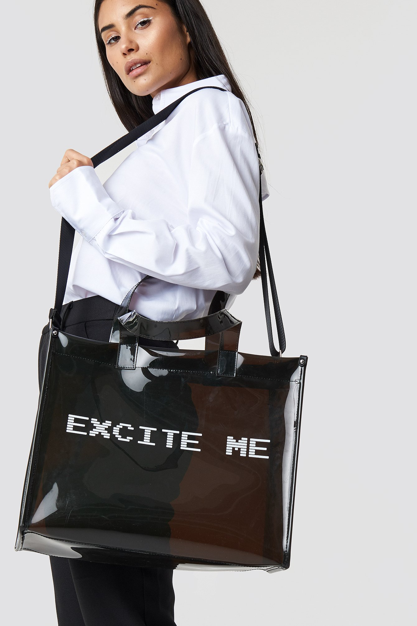 the classy issue x na-kd -  Excite Me Shopping Bag - Black