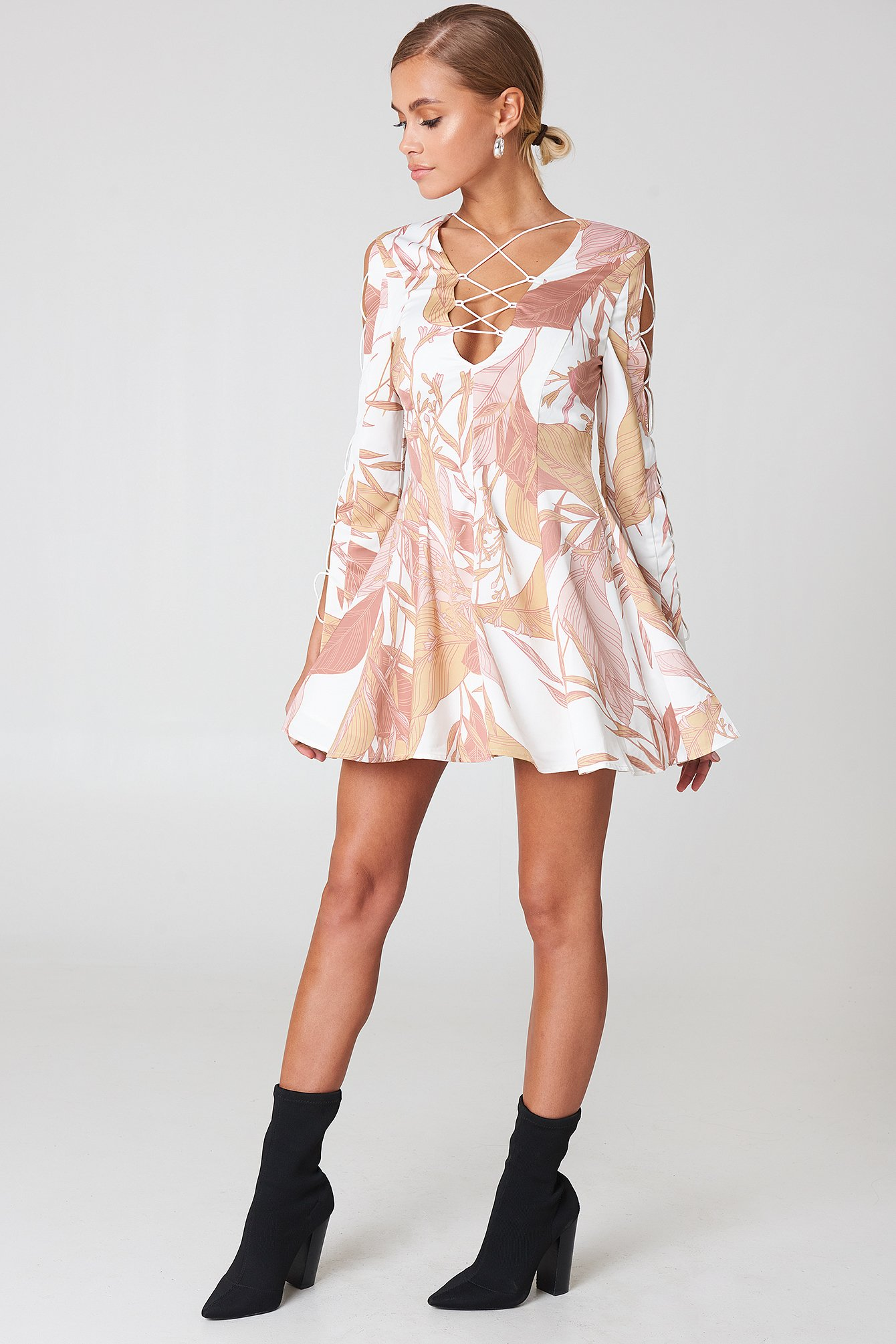 Bloom Mini Dress NA-KD.COM