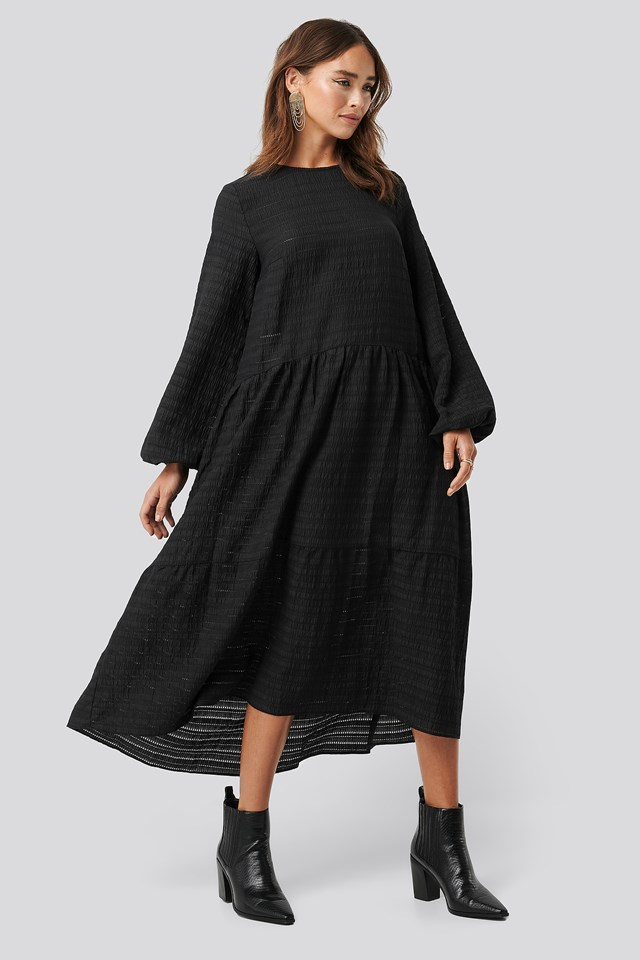 Flowy Structured Maxi Dress Black