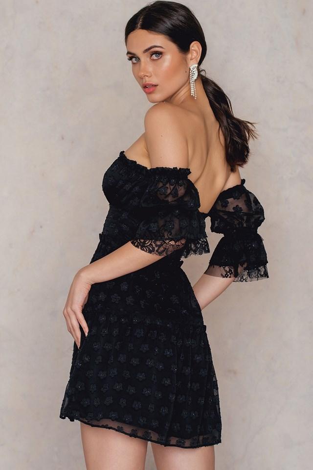 Modern Love Off Shoulder Dress Black Daisy