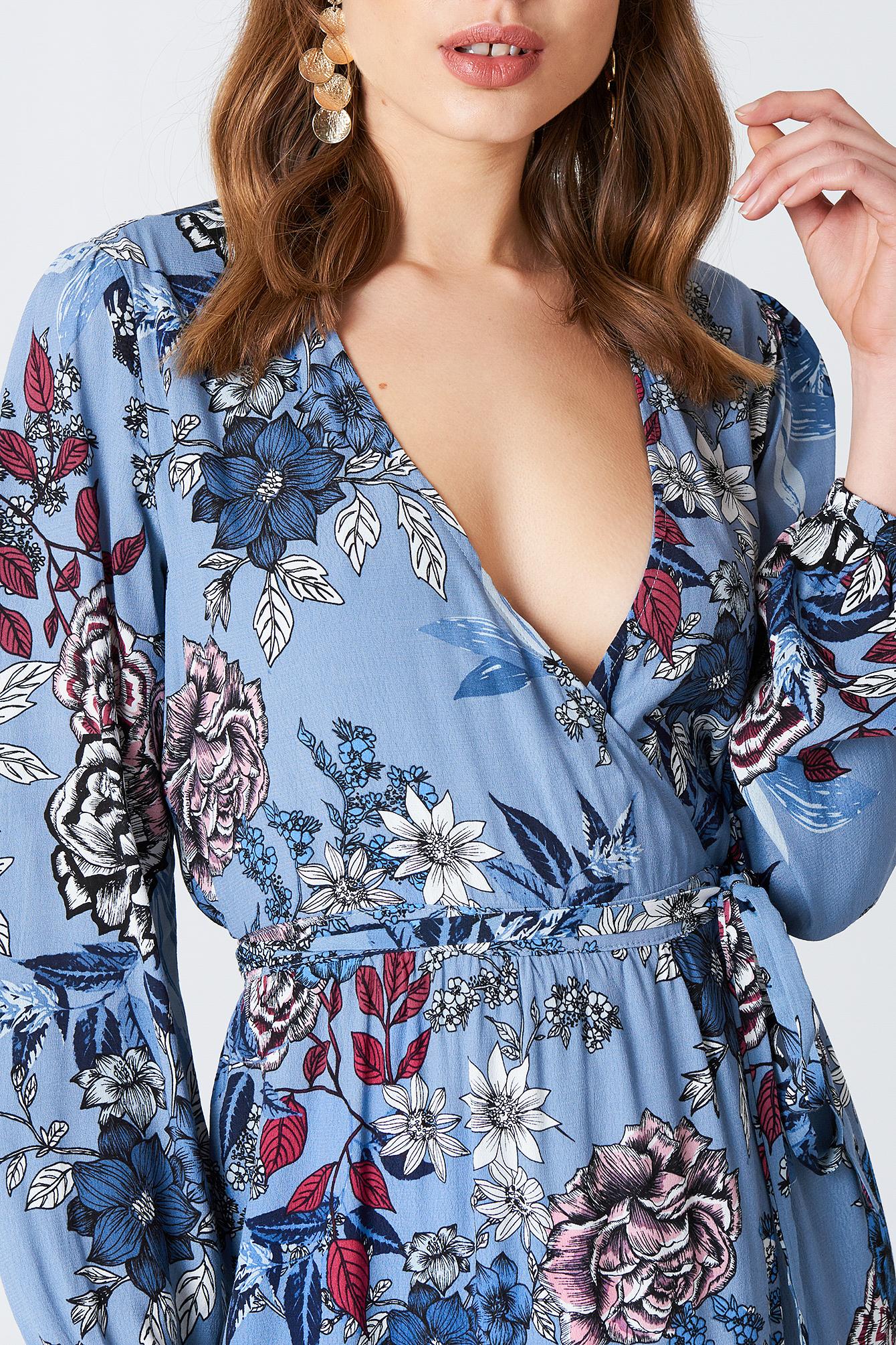 Kopertowa sukienka Begonia NA-KD.COM