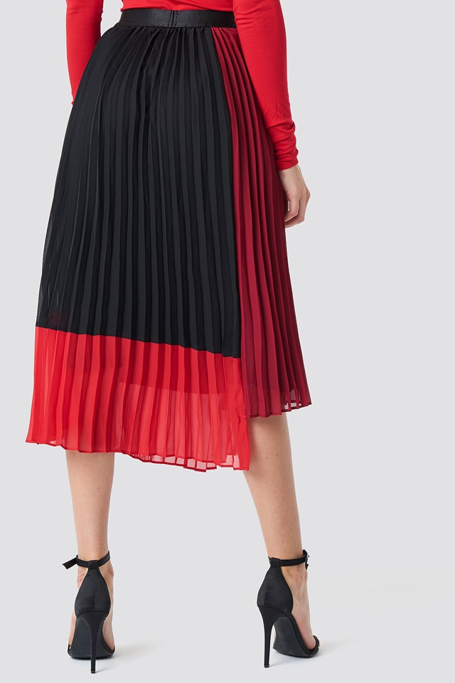 Plissa Skirt Biking Red Color Block