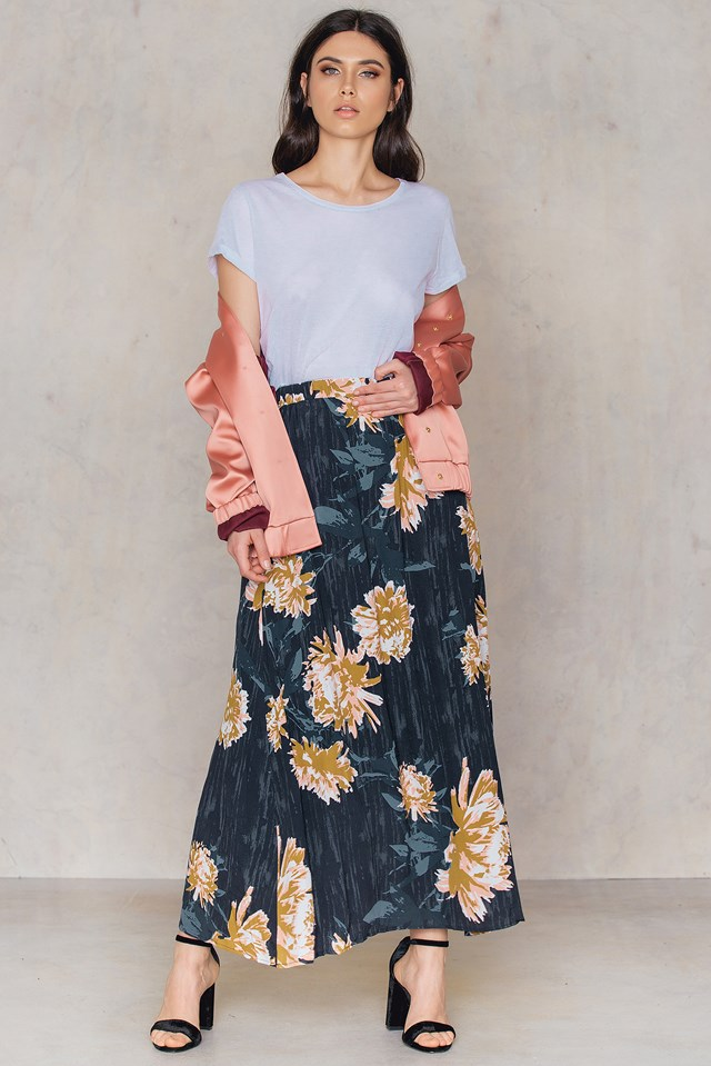Via Maxi Skirt Deep Well Flower Print