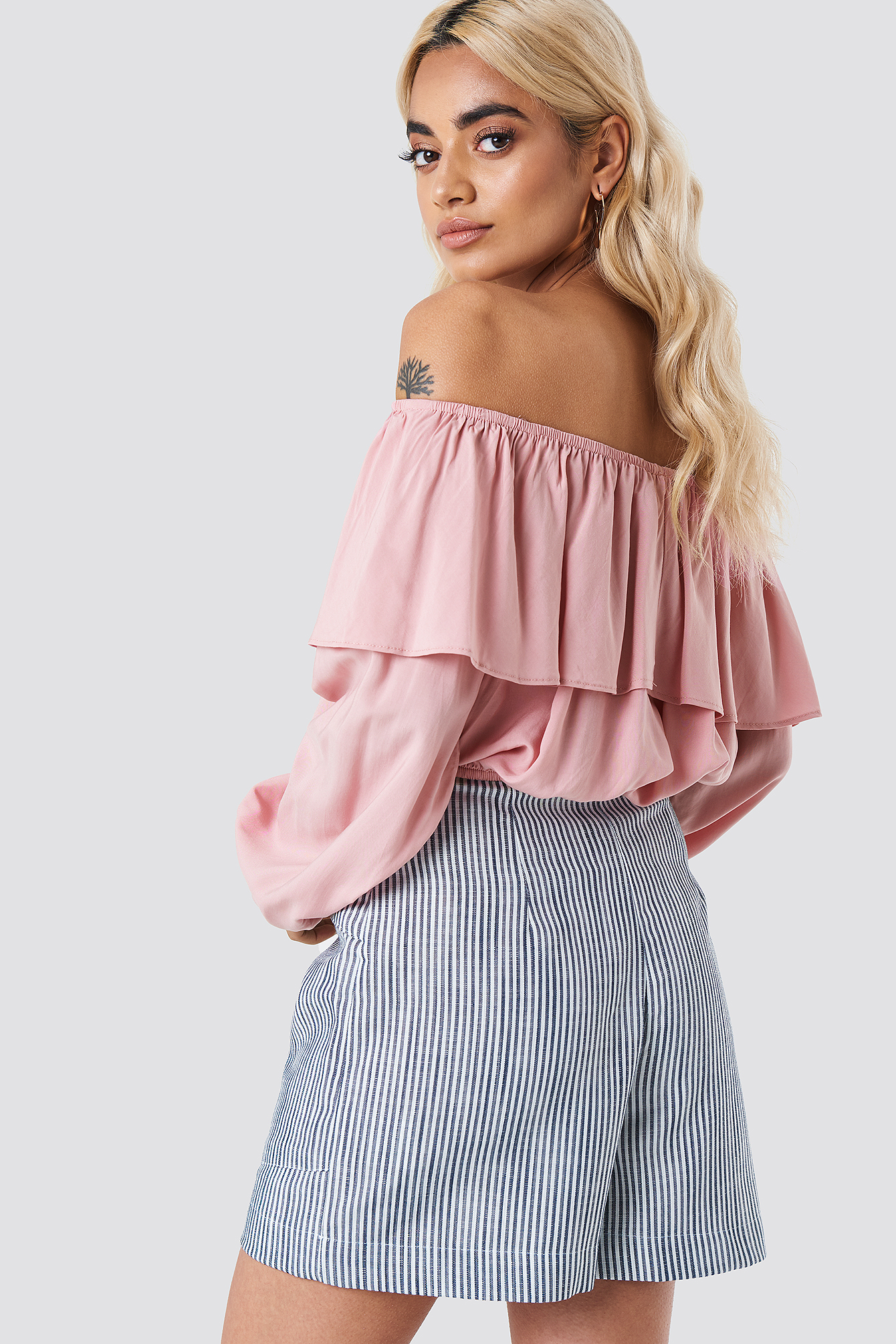 Off Shoulder Ruffle Blouse NA-KD.COM
