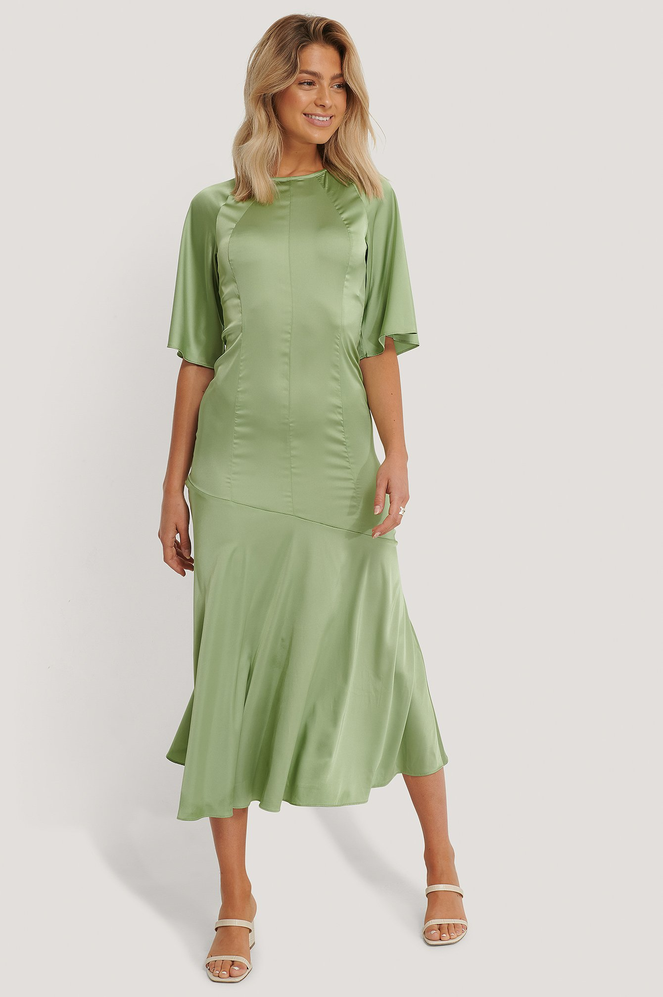 glamorous -  Satin-Midi-Kleid - Green
