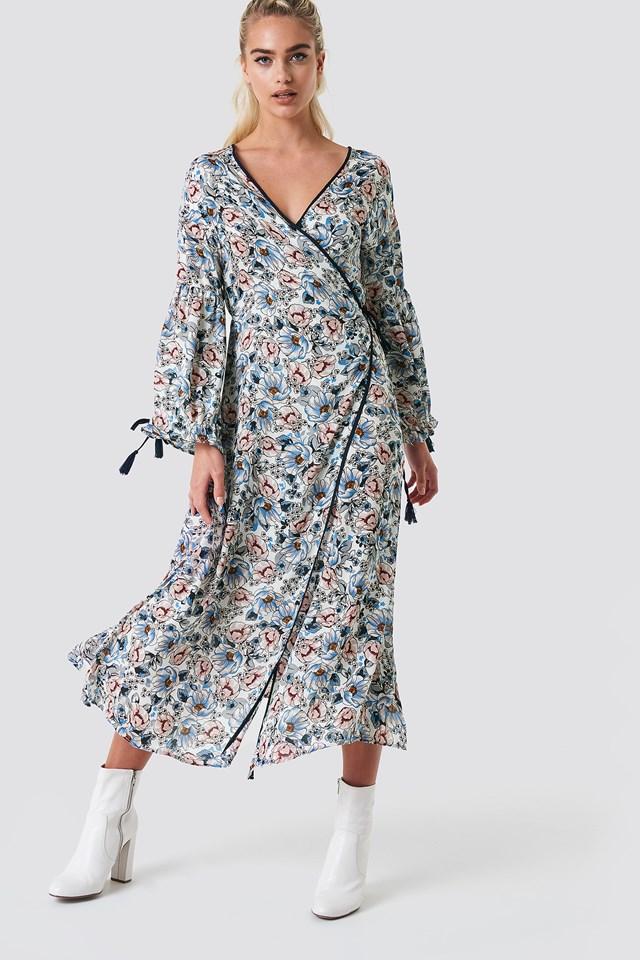 Maxi Dresses | Shop the latest Dresses | na-kd.com