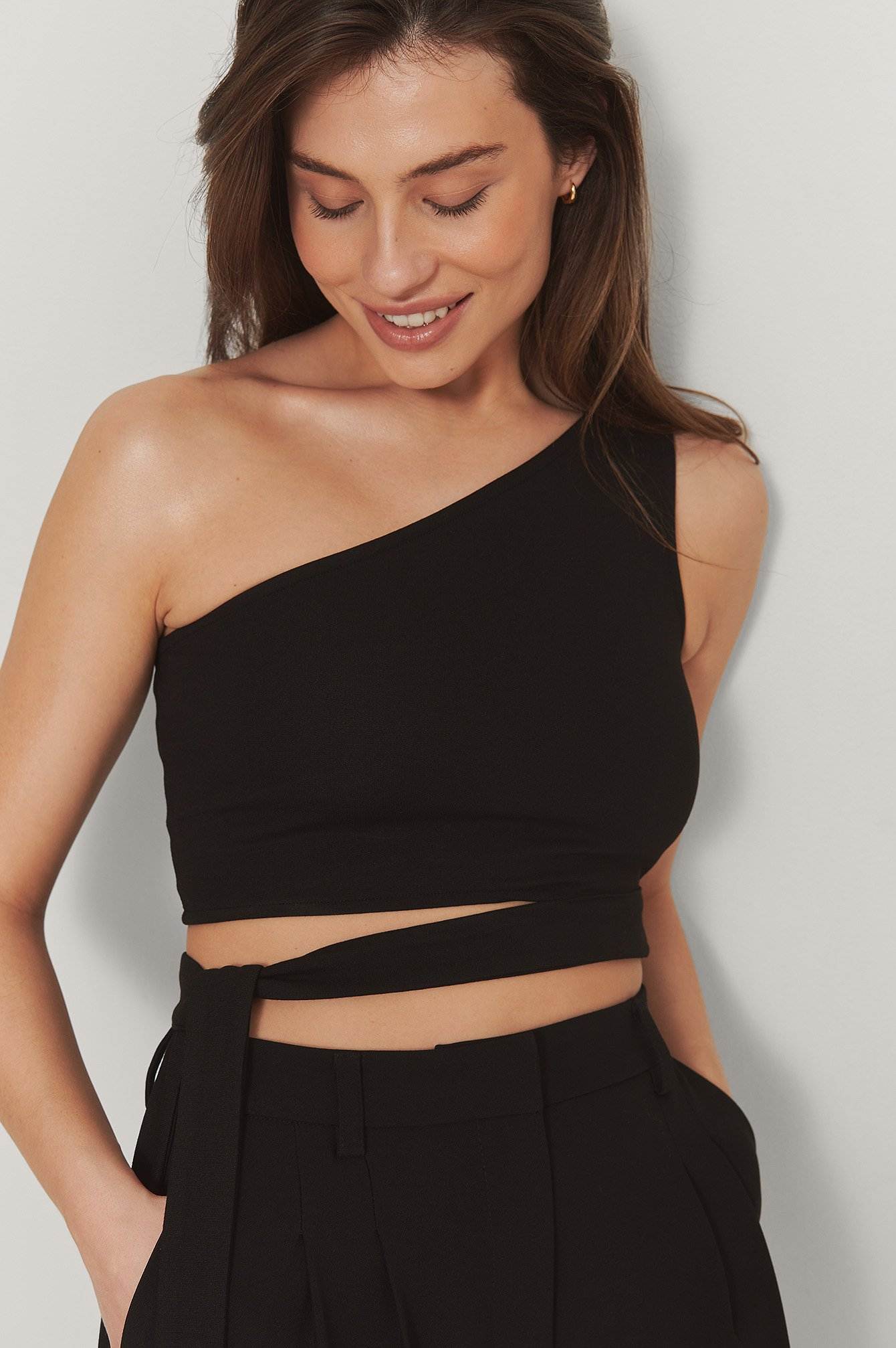 Black Oneshoulder Top Med Bindedetalje