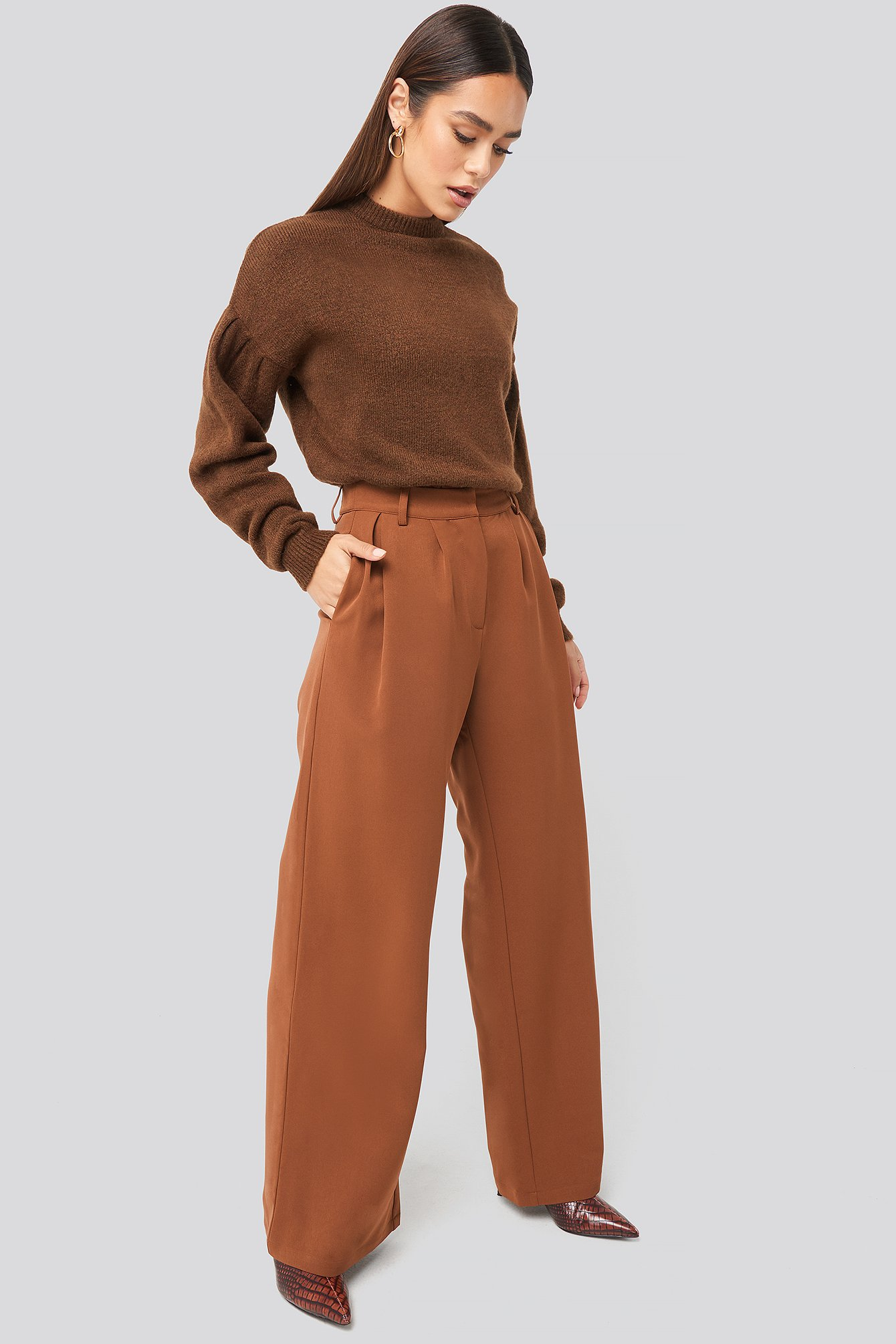 hanna weig x na-kd -  Flowy Tailored Pants - Brown