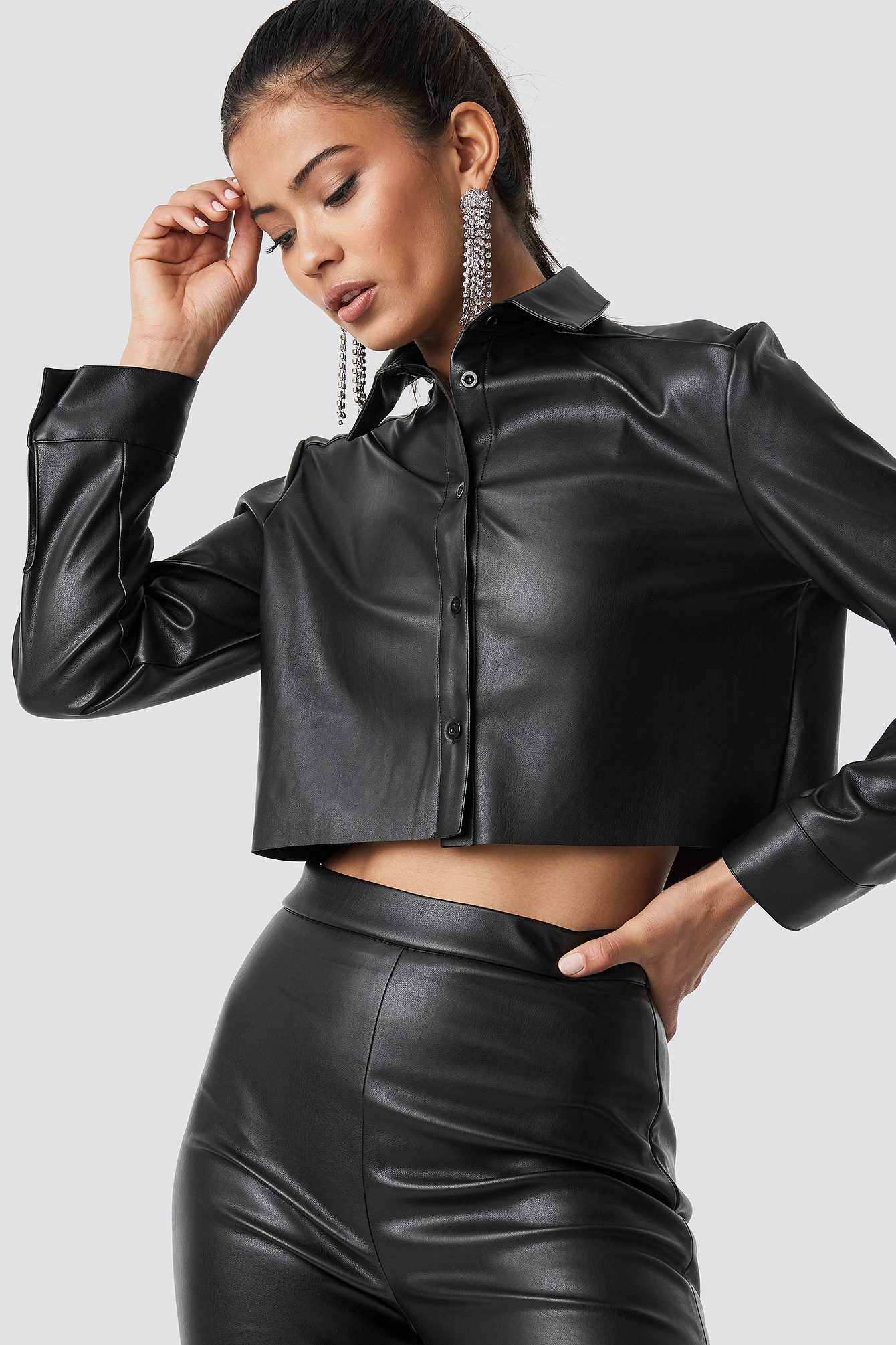 Cropped Faux Leather Shirt NA-KD.COM