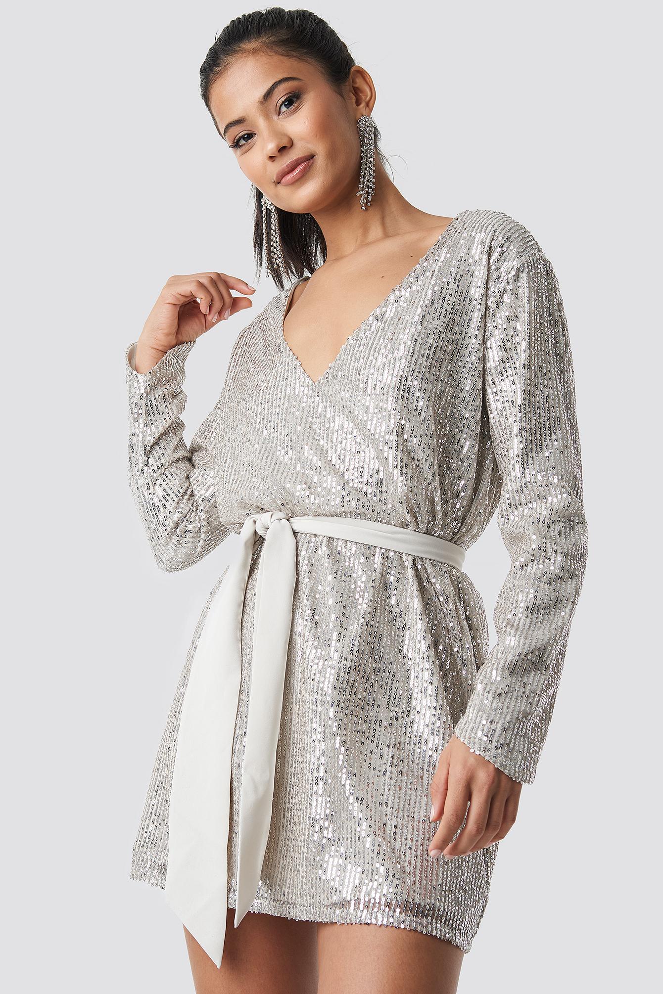 Oversized Tied Waist Sequin Dress NA-KD.COM