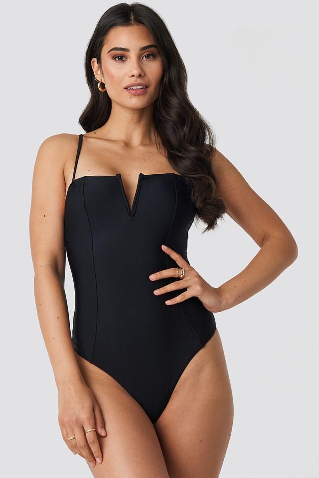 V-Shape Front Seam Swimsuit NA-KD.COM