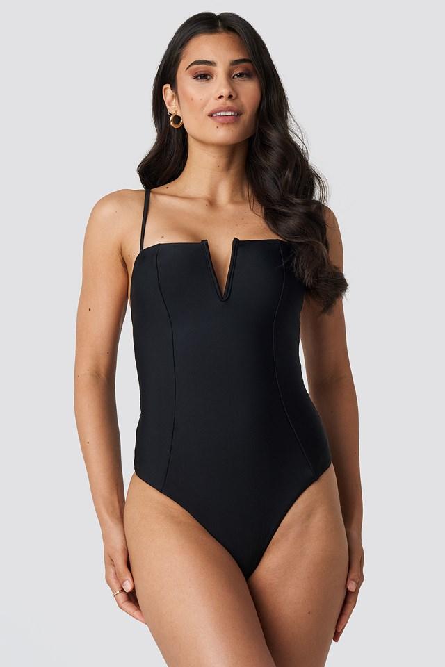 V-Shape Front Seam Swimsuit Black