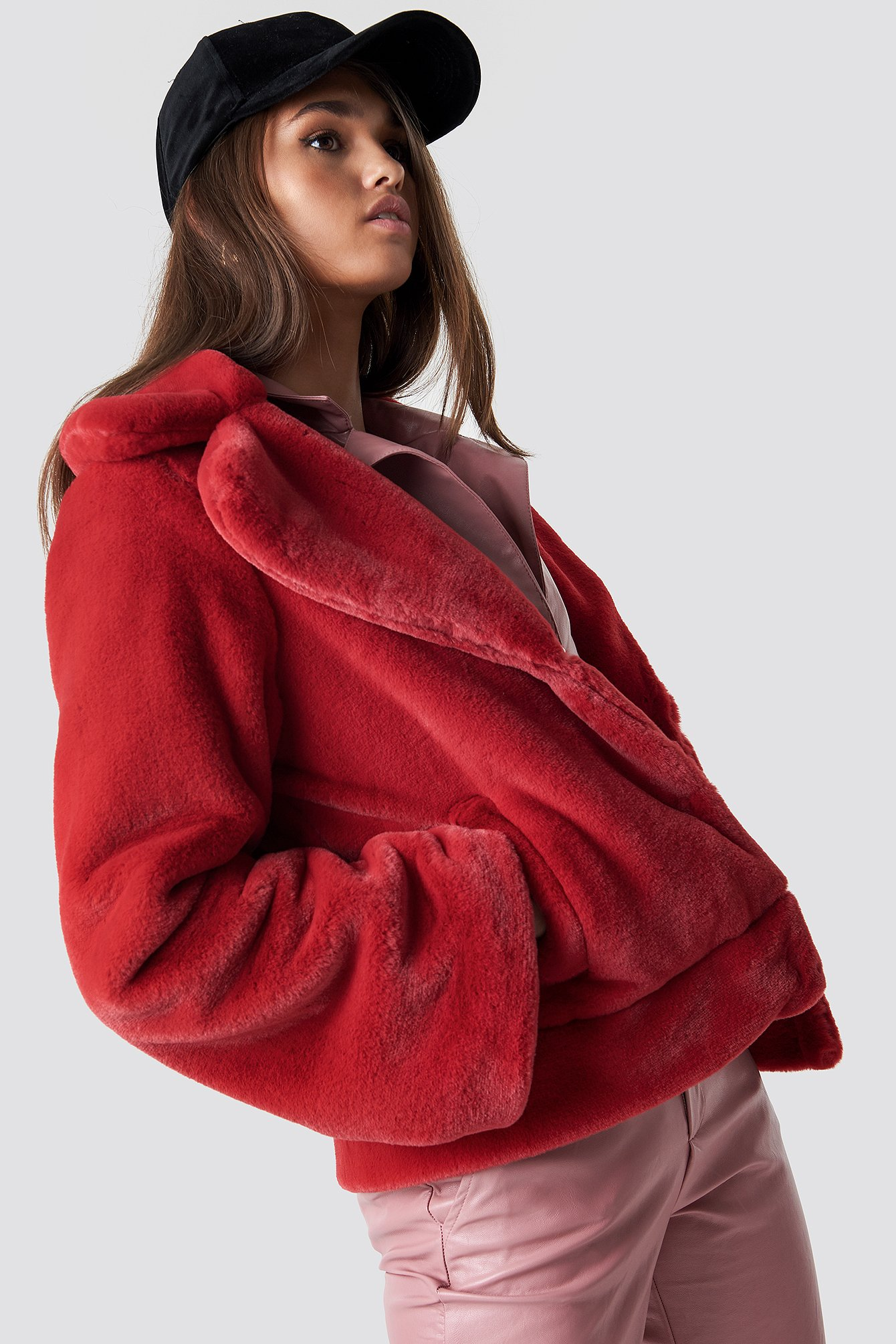 hannalicious x na-kd -  Wide Sleeve Faux Fur Jacket - Red