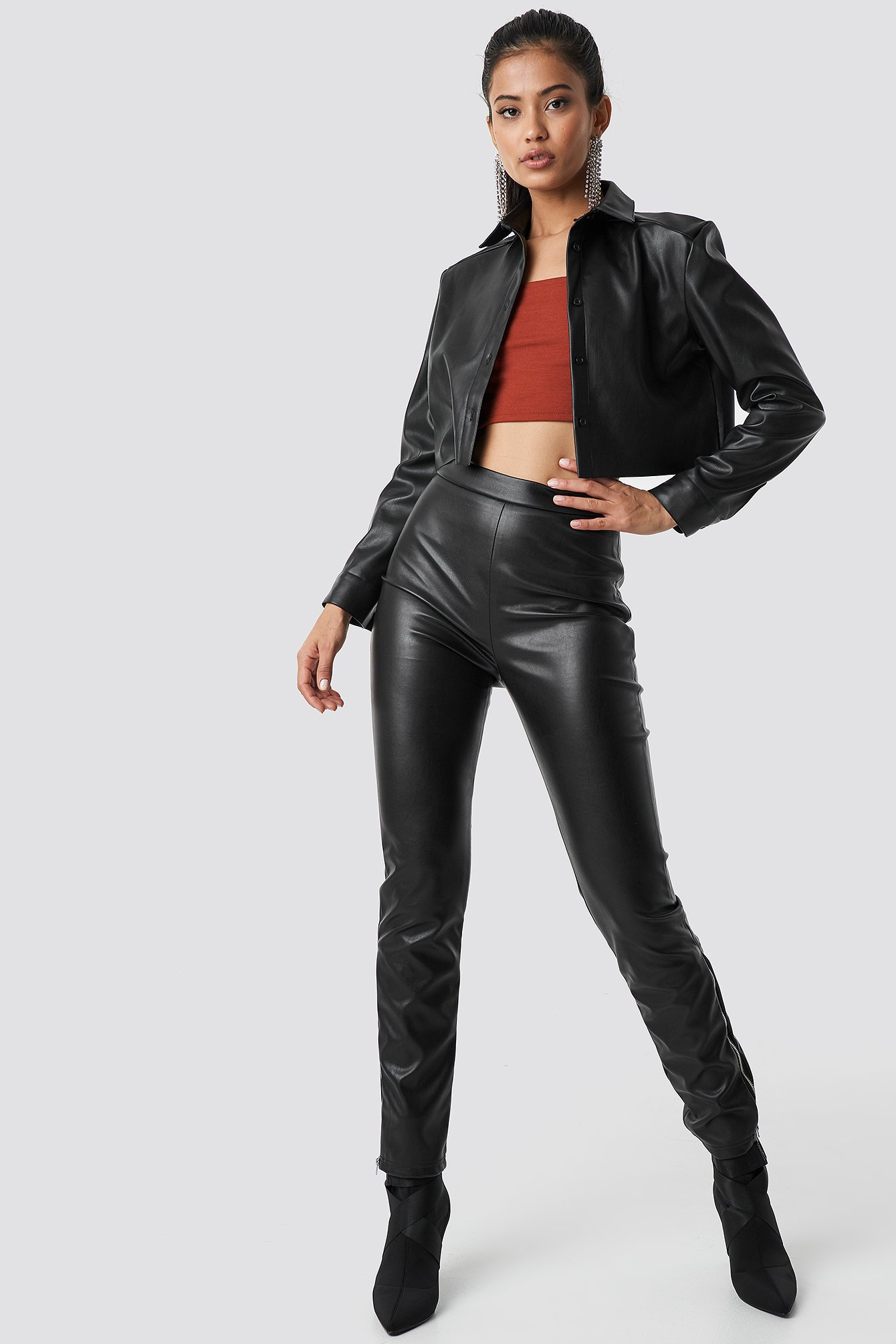 Zip Detailed Faux Leather Pants NA-KD.COM