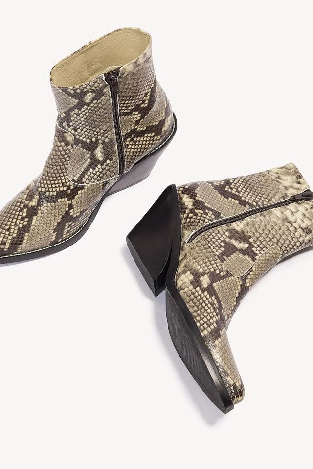 Evie Boots Snake