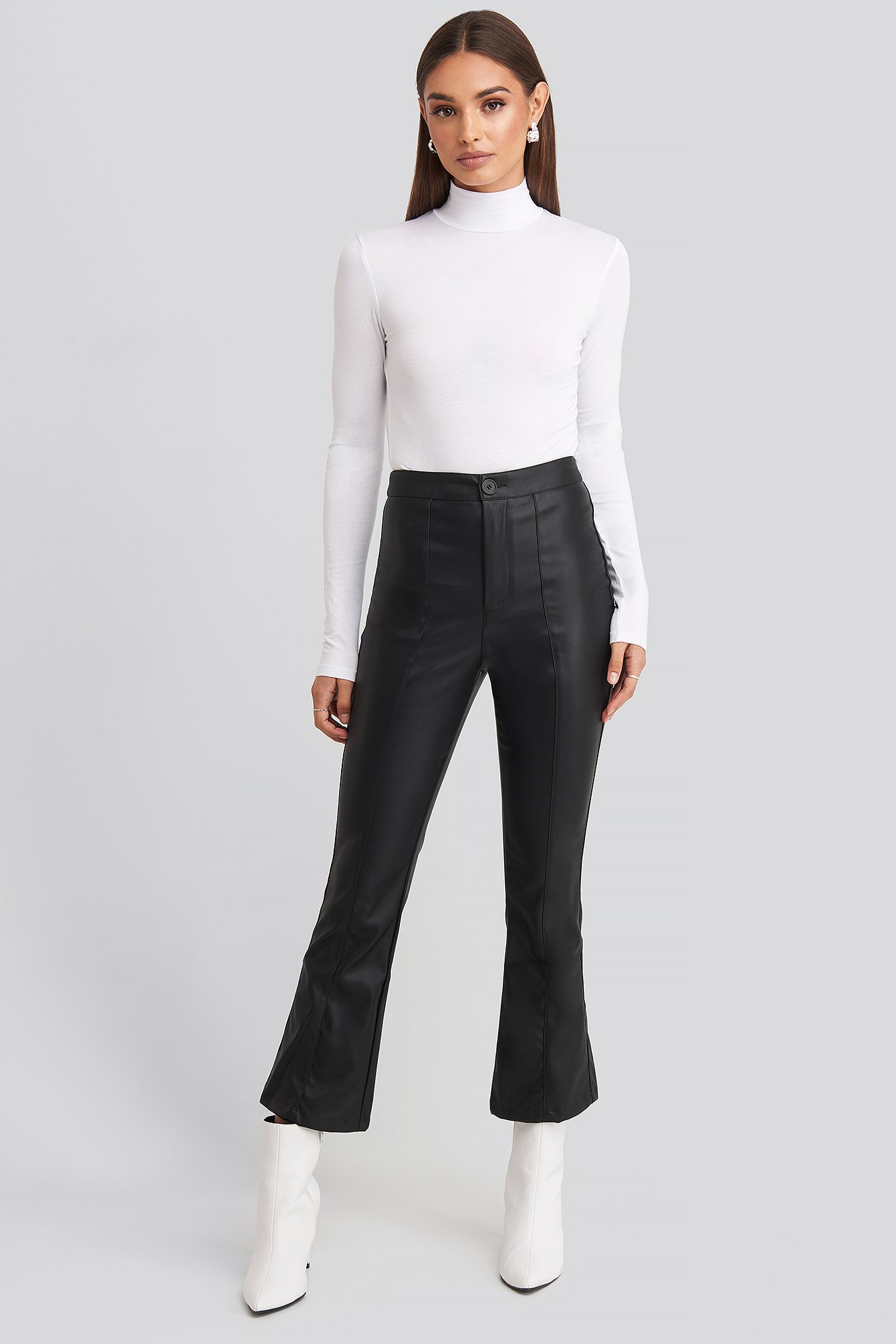Flared Pu Pants Sort by Hossxnakd