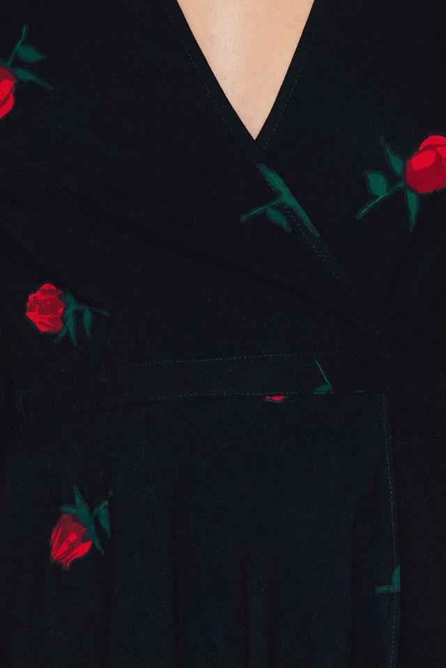 Avela Rose Dress Scatter Rose