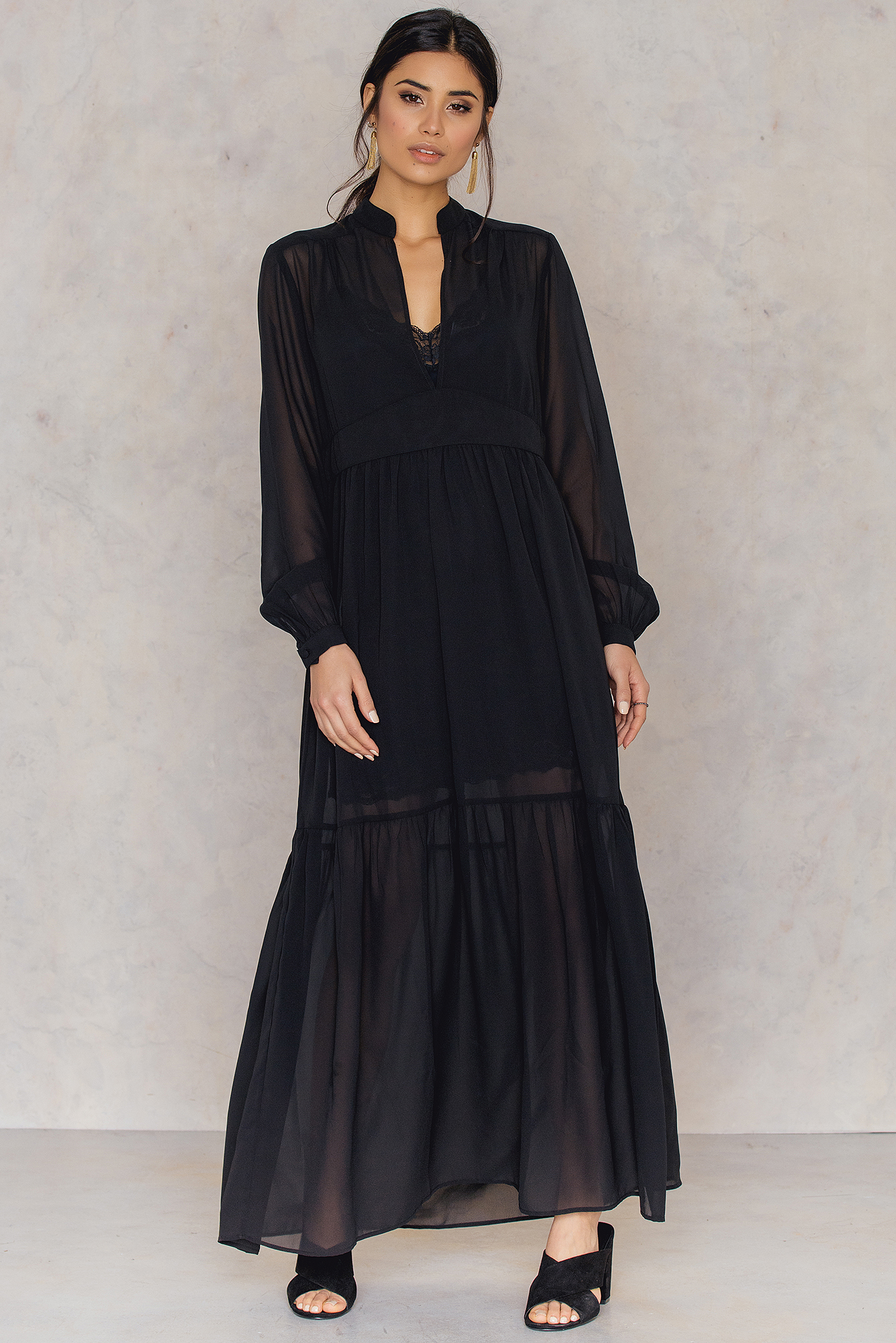 NA-KD Boho Deep Front Neck Chiffon Dress Black