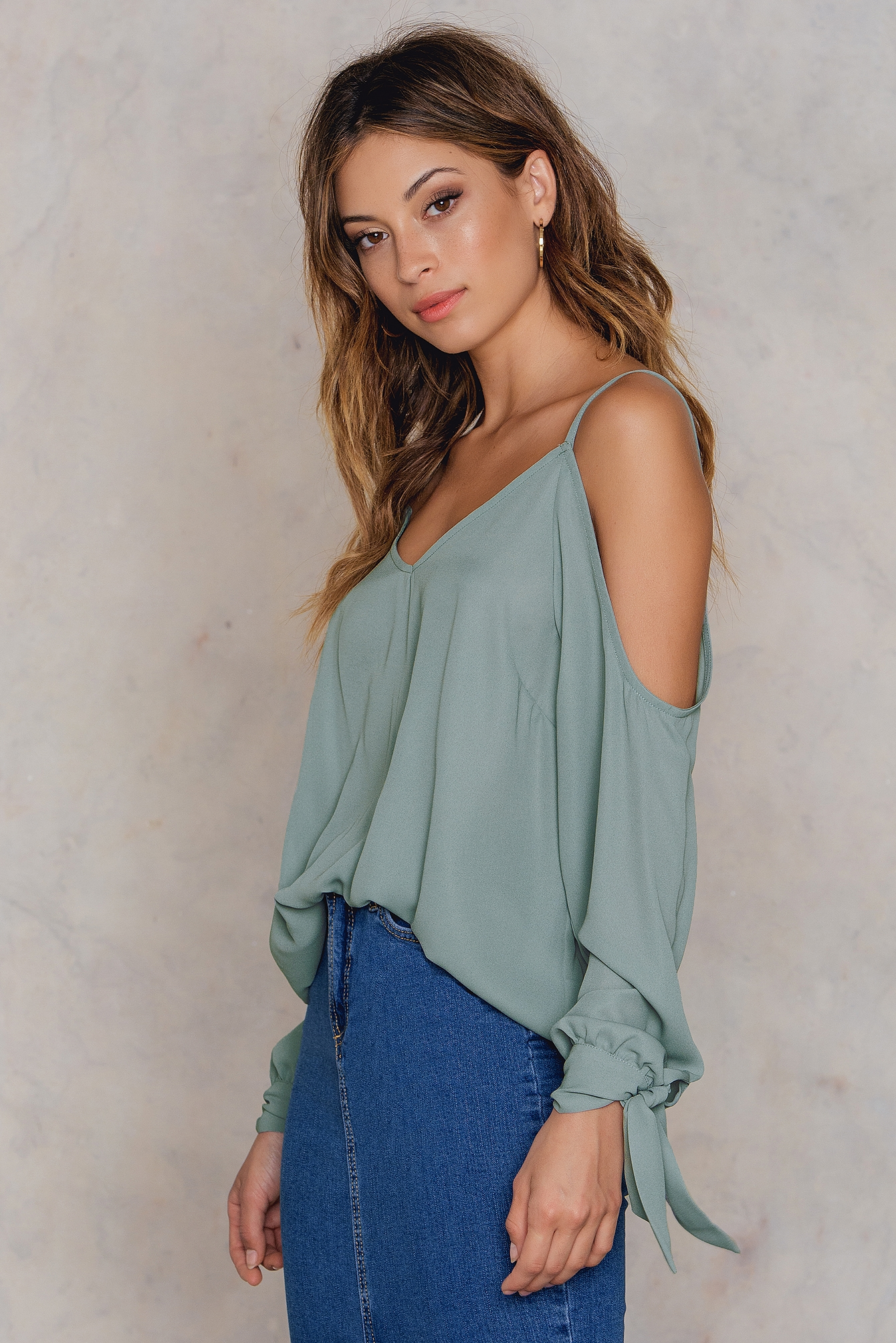NA-KD Trend Cold Shoulder Knot Sleeve Top Green