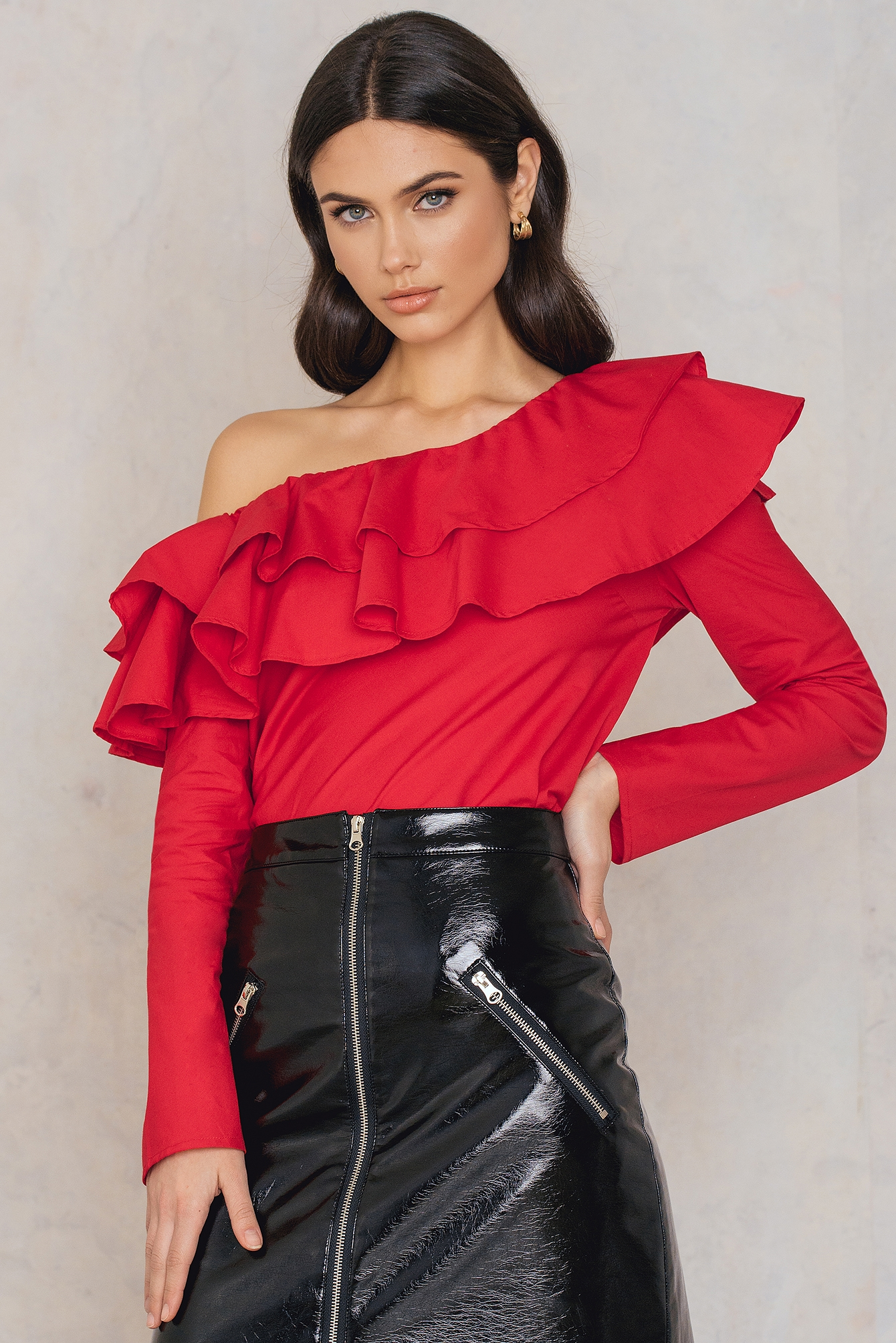 NA-KD Trend Double Frill Asymmetric Top Red