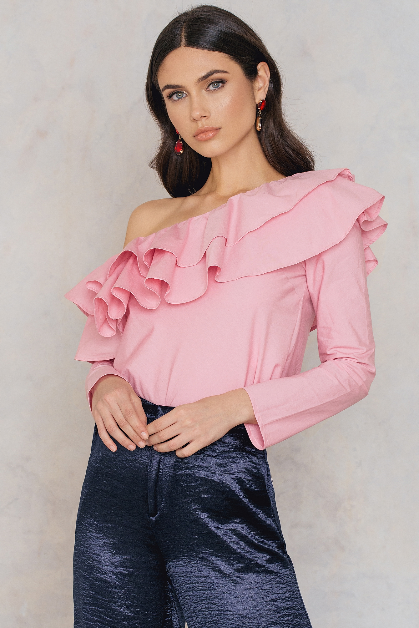 NA-KD Trend Double Frill Asymmetric Top Pink