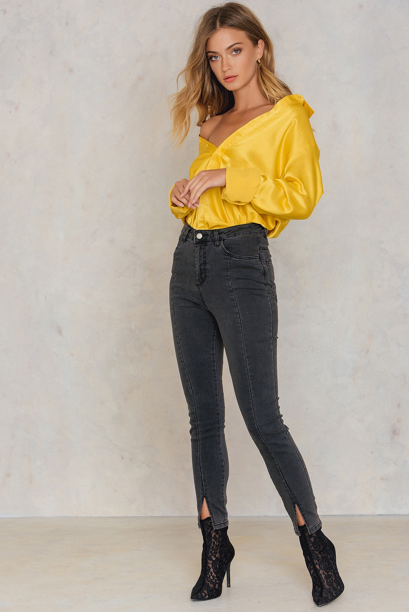 NA-KD Highwaist Skinny Front Slit Jeans Grey
