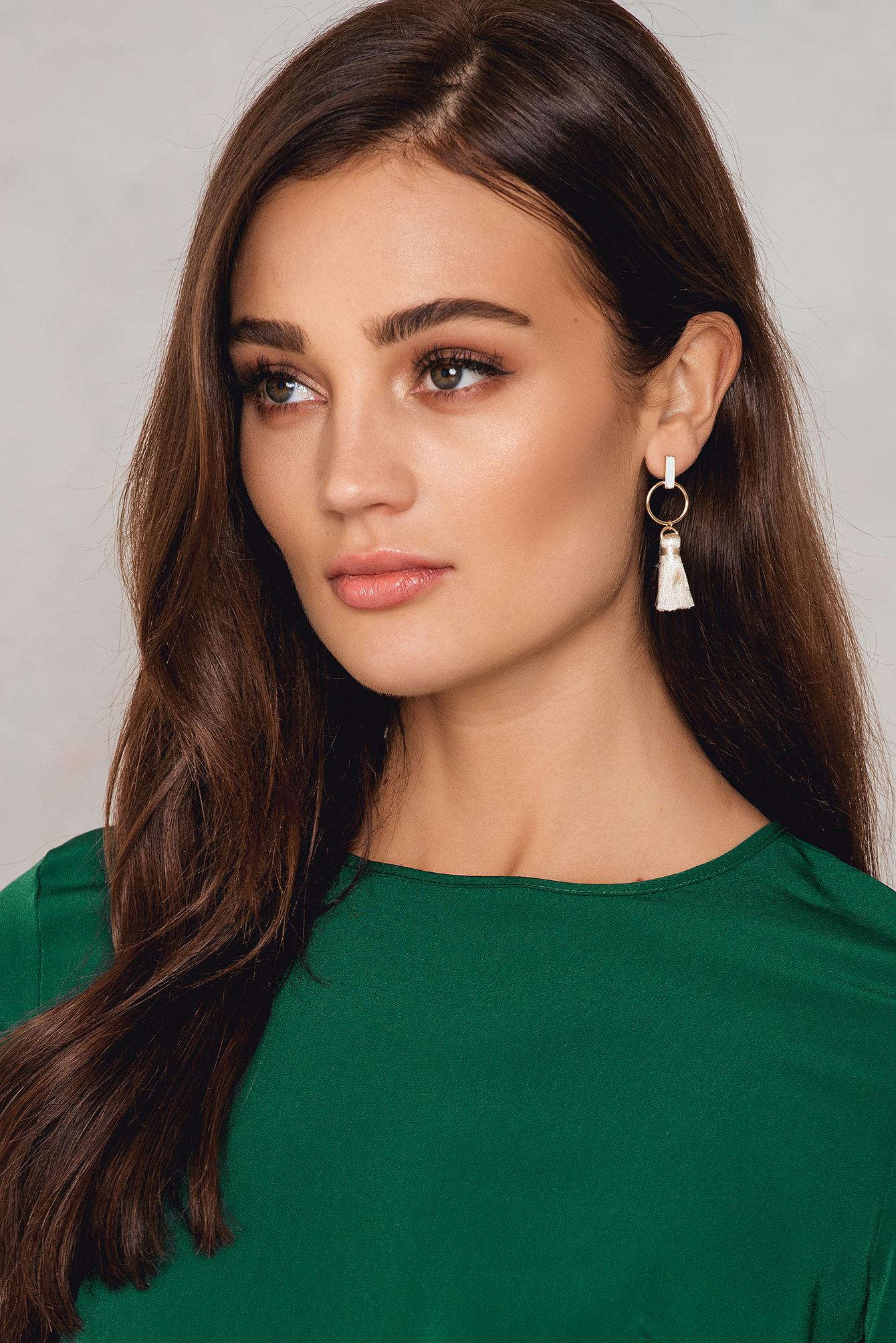 NA-KD Accessories Mini Tassle Drop Earrings White, Gold