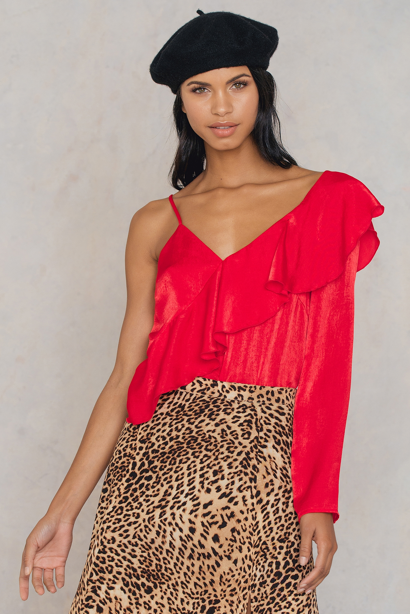 NA-KD Trend One Sleeve Frill Top Red