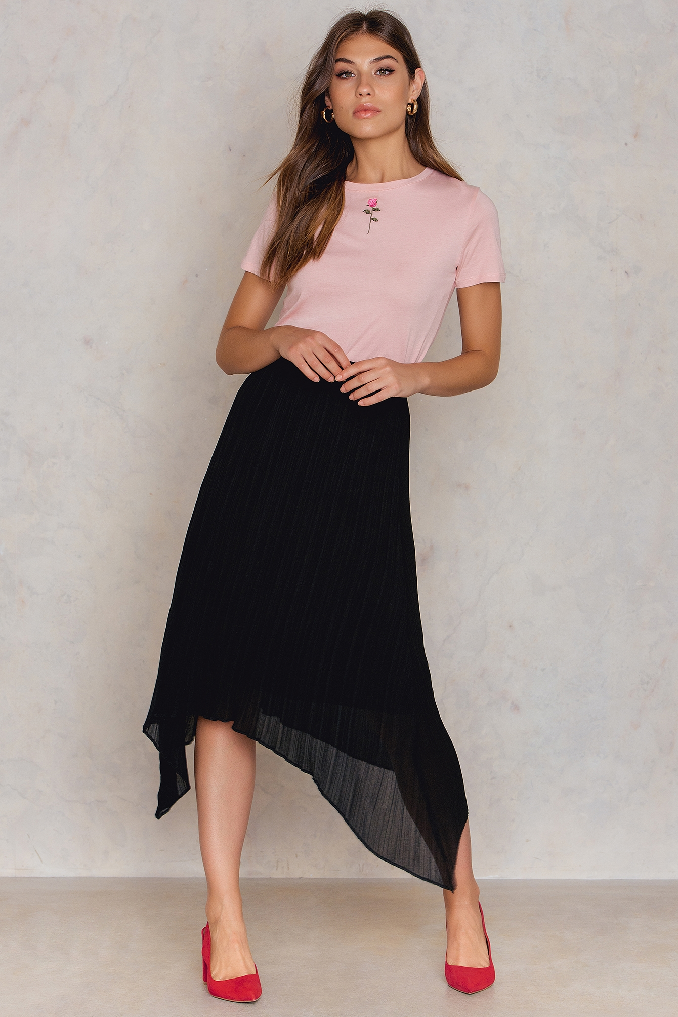 NA-KD Trend Pleated Asymmetric Hem Skirt Black